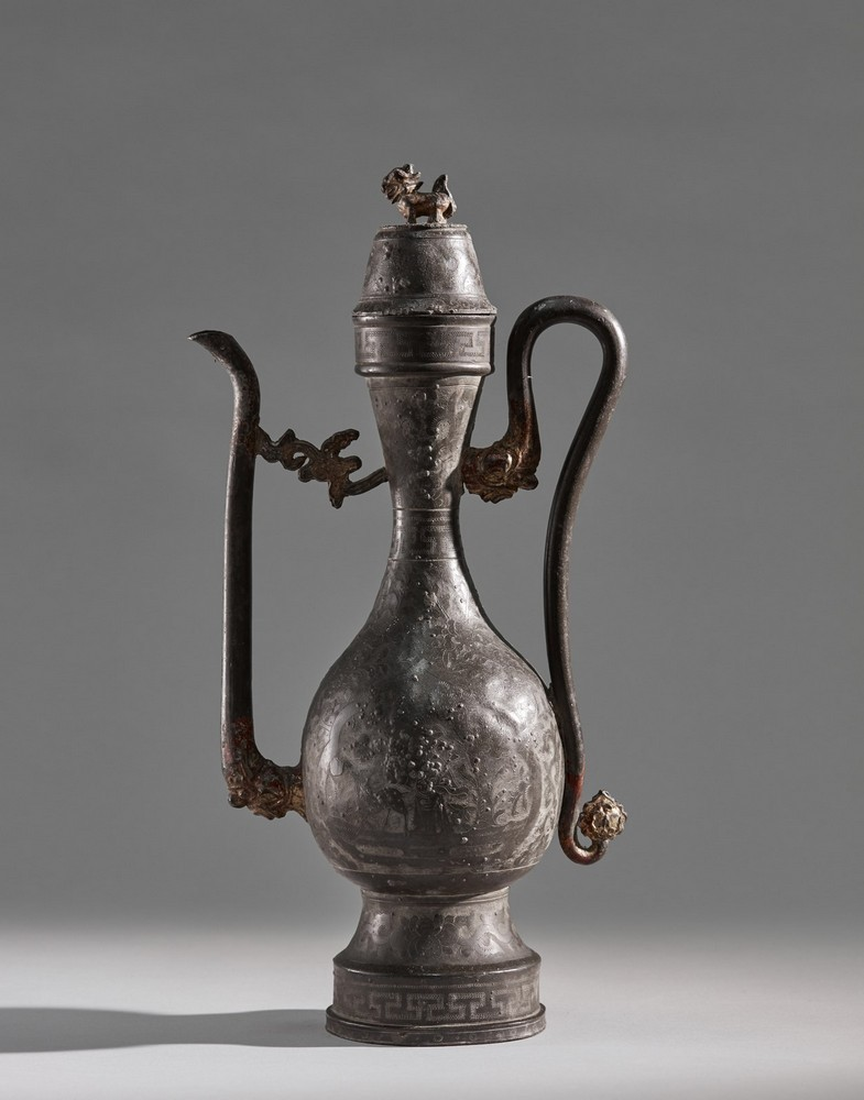 Arte Cinese A pewter ewer China, Ming dynasty .