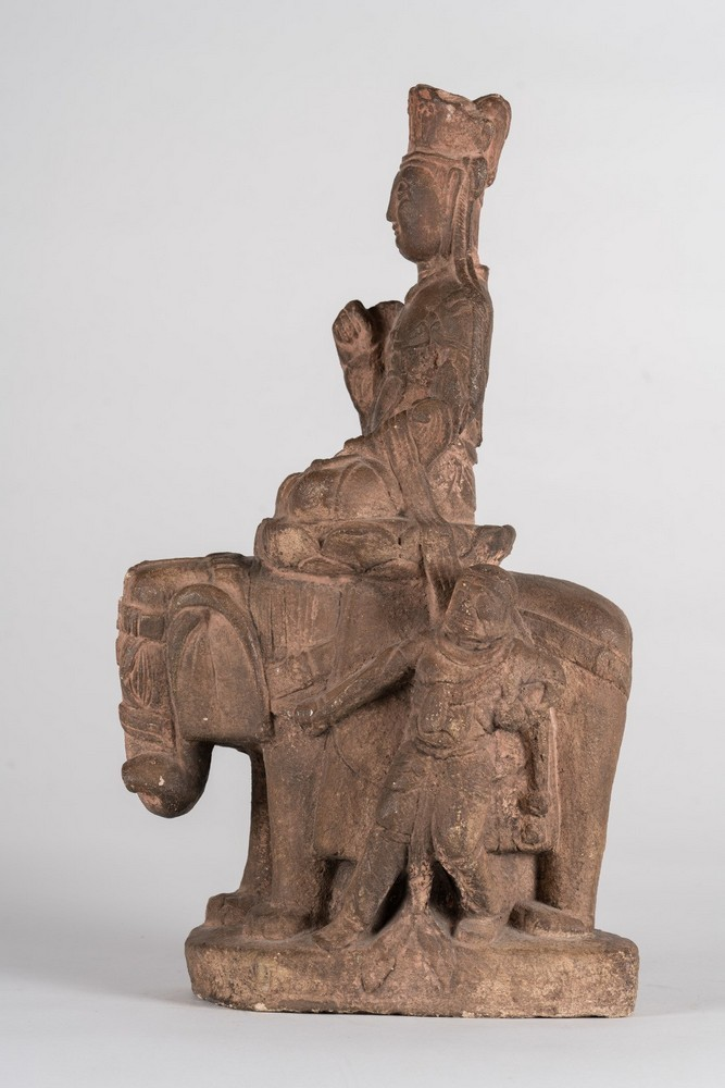 Arte Cinese An earthenware Tang style statue of a bodhisattva on a lion China, 19th century . - Image 3 of 6