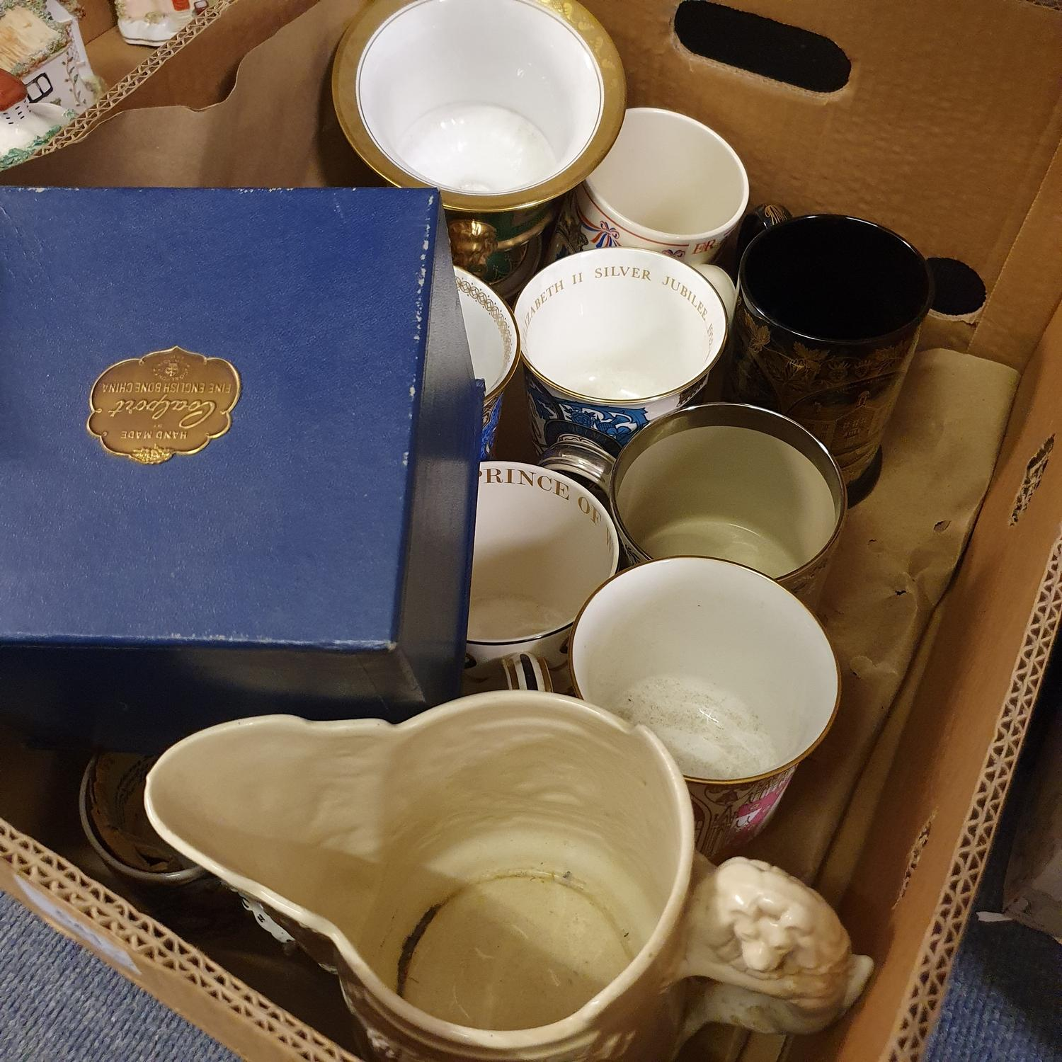 A group of Spode collectors' plates, in presentation boxes, and various other commemorative wares ( - Image 4 of 4