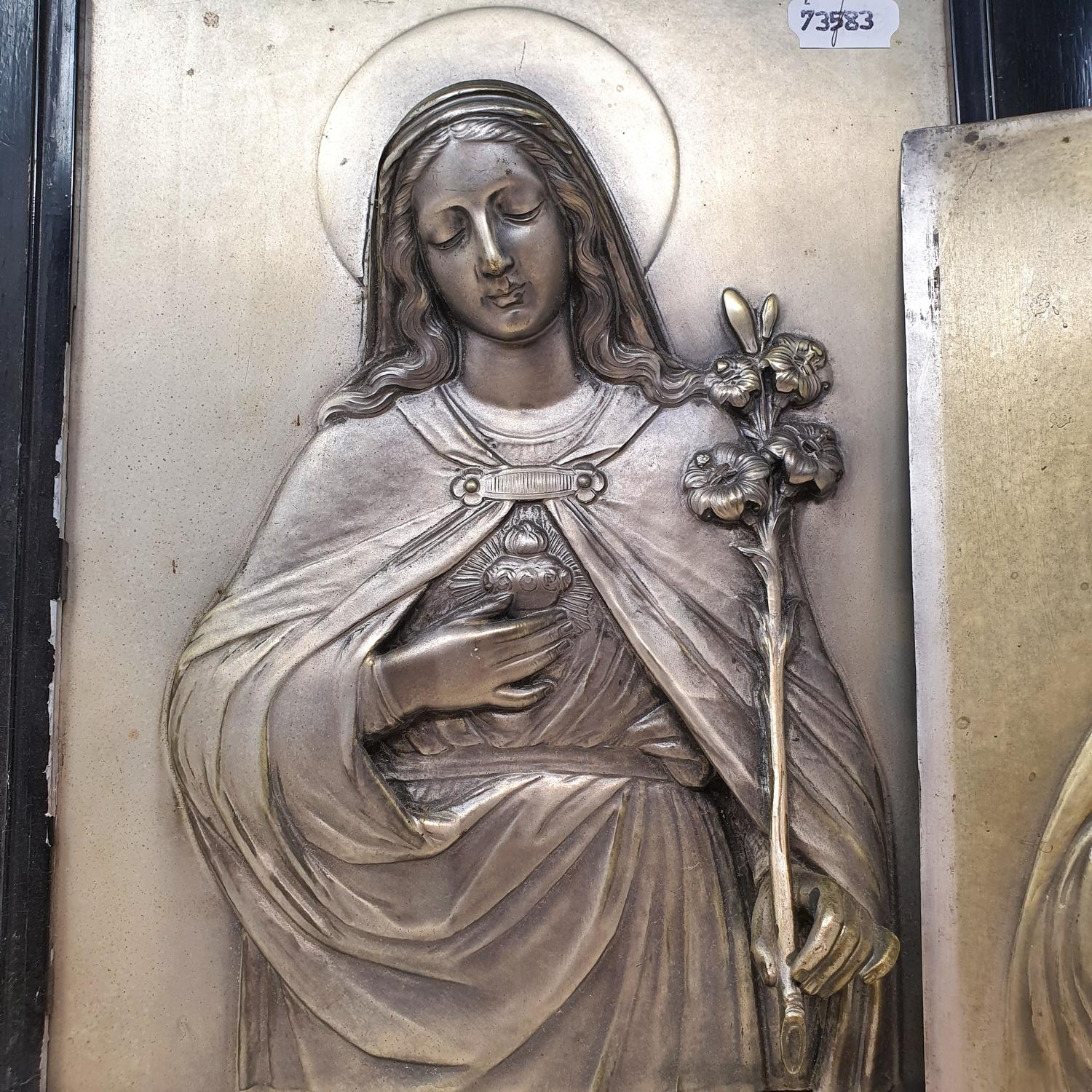 Two silver plated religious icons, of Jesus Christ and Mary of the Sacred Heart, 33 x 25 cm - Image 2 of 3