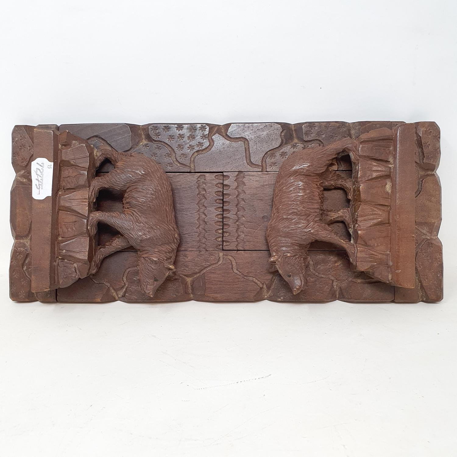 A late 19th/early 20th century Black Forest expanding book trough, carved bears, 43 cm wide ( - Image 2 of 2