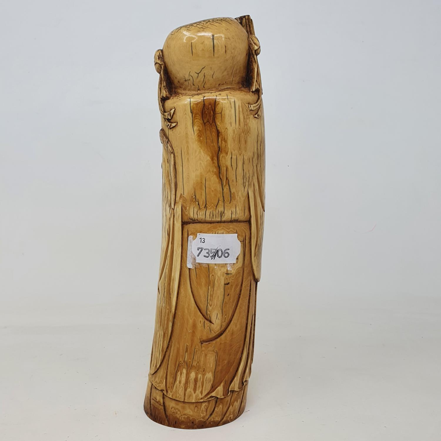 An early 20th century Chinese ivory tusk, carved in the form of Shou Lao, 28 cm high - Image 4 of 5