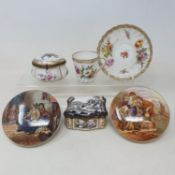 A 19th century Continental porcelain box, the lid decorated a hunting scene, 9 cm wide, two