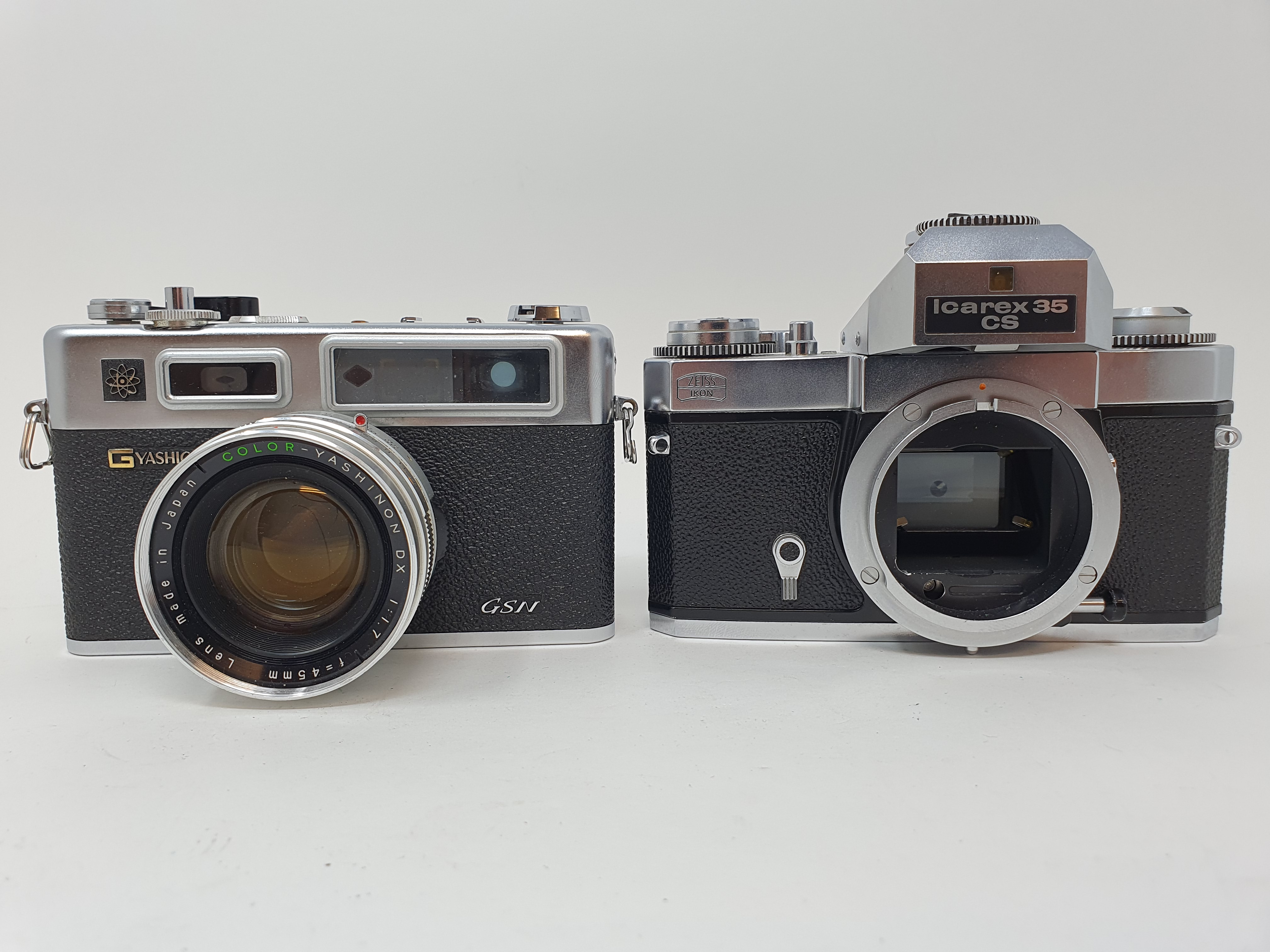 A Zeiss Ikon voigtlander camera and a Yashica GSN Electro 35 camera (2) Provenance: Part of a vast