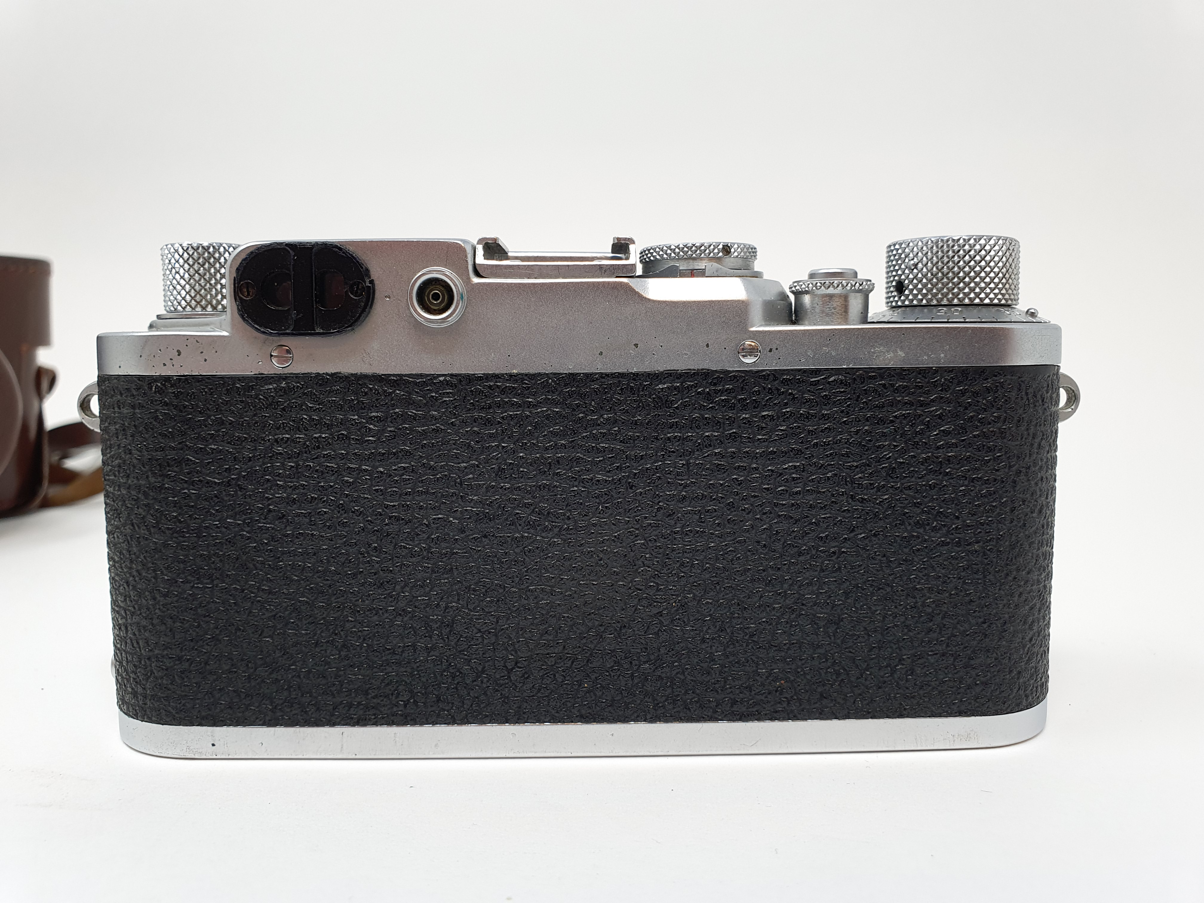 A Leica IIIf camera, serial number 537112, with leather outer case Provenance: Part of a vast single - Image 4 of 5