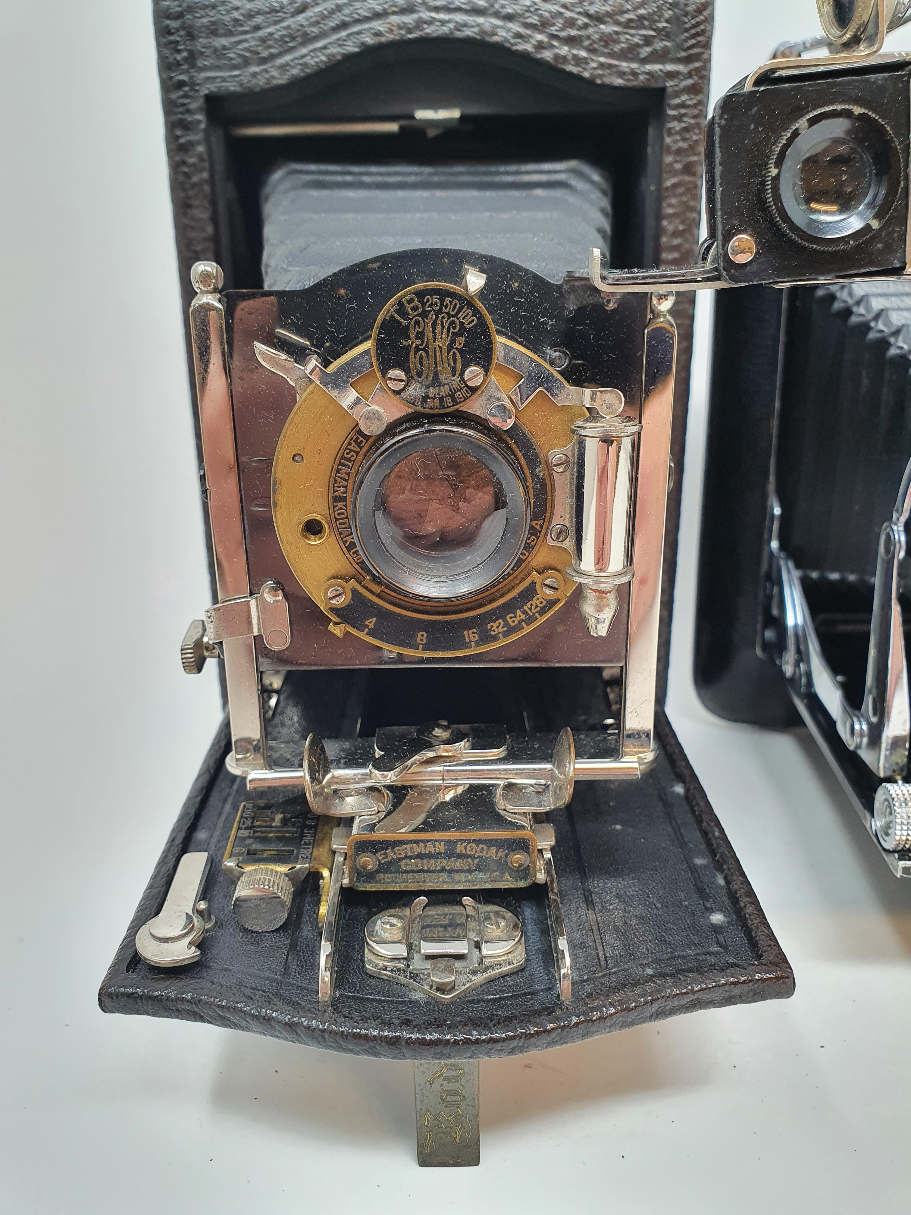A Kodak Regent folding camera, with leather outer case, a Kodak folding camera, with leather outer - Image 2 of 6