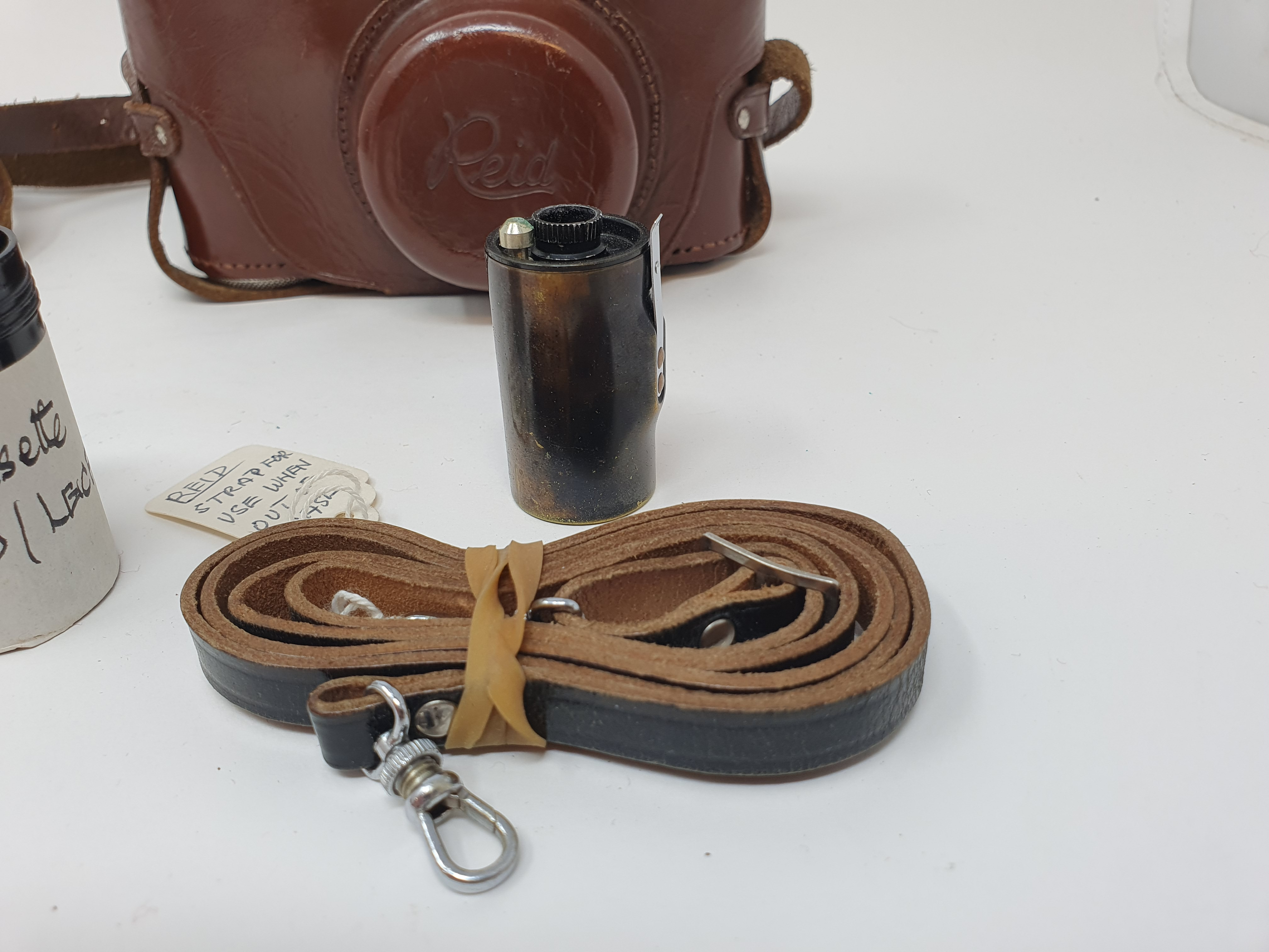 A Reid & Sigrist ltd camera, serial number P2750, with leather outer case, lens, and accessories - Image 6 of 7