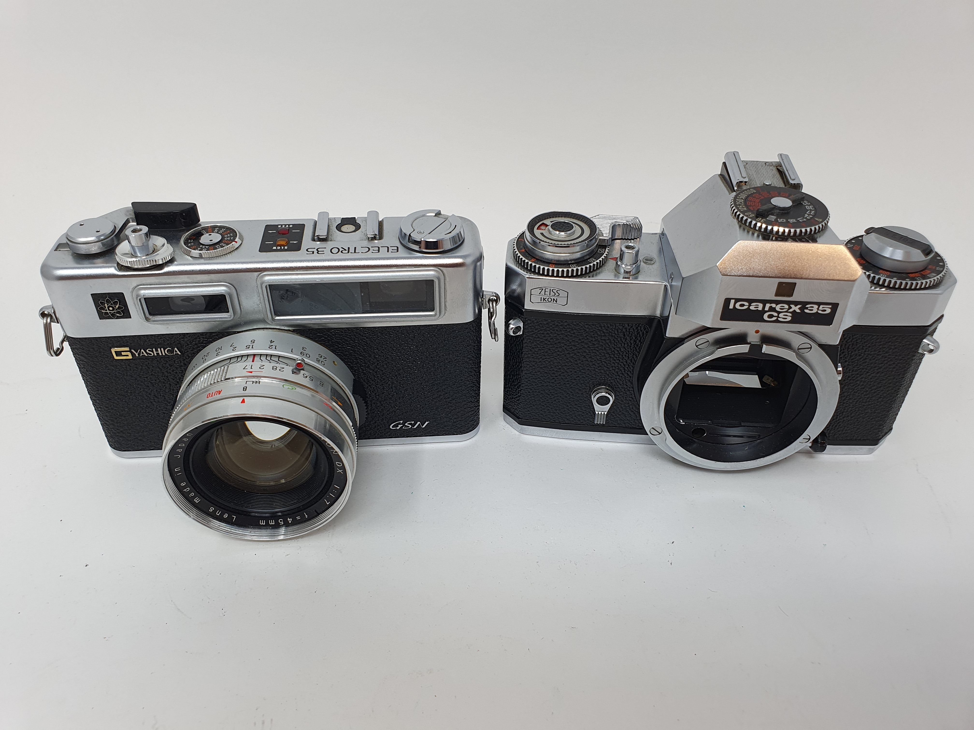 A Zeiss Ikon voigtlander camera and a Yashica GSN Electro 35 camera (2) Provenance: Part of a vast - Image 2 of 3