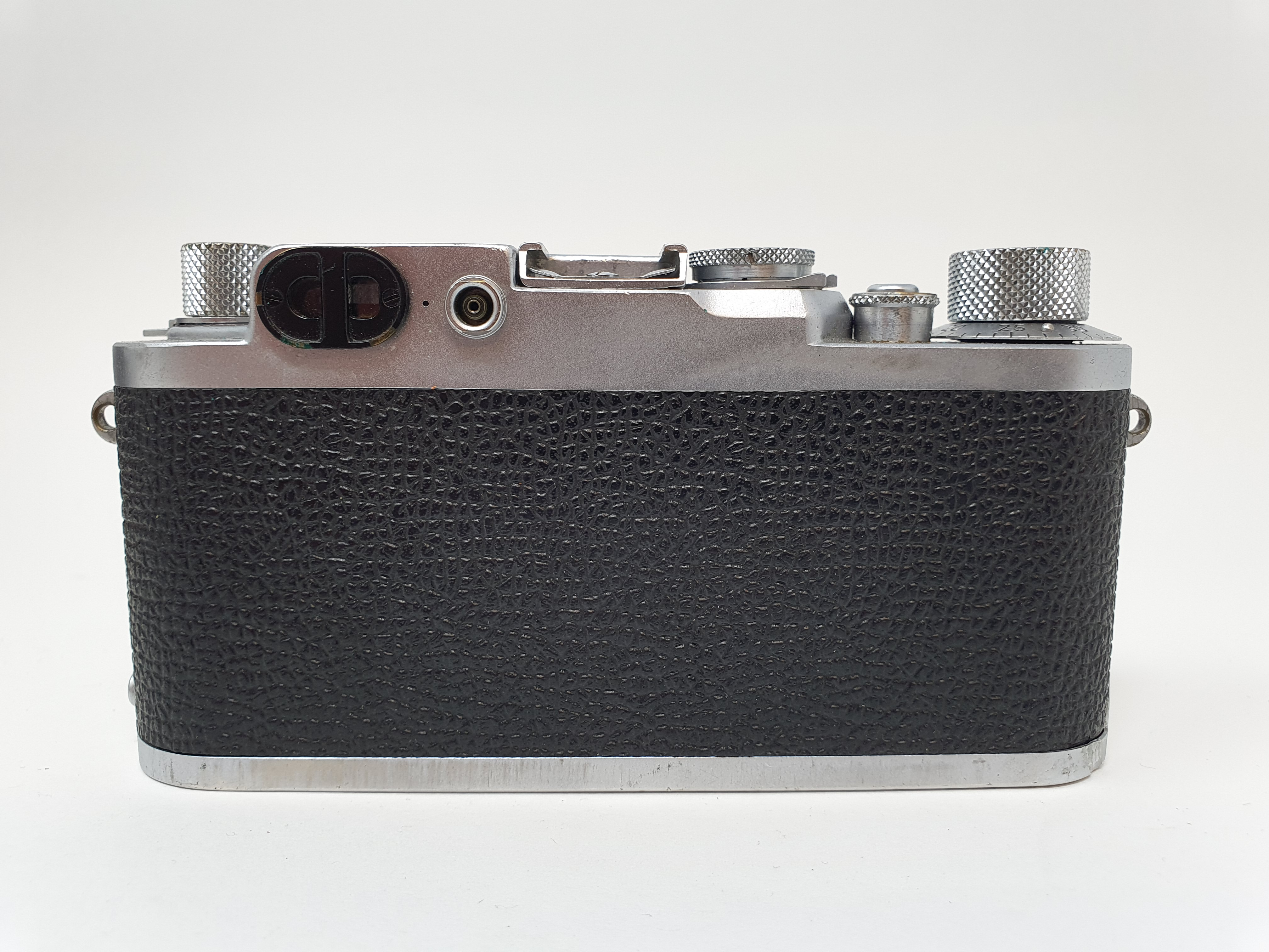 A Leica IIIf camera, serial number 798046, with leather outer case Provenance: Part of a vast single - Image 4 of 5