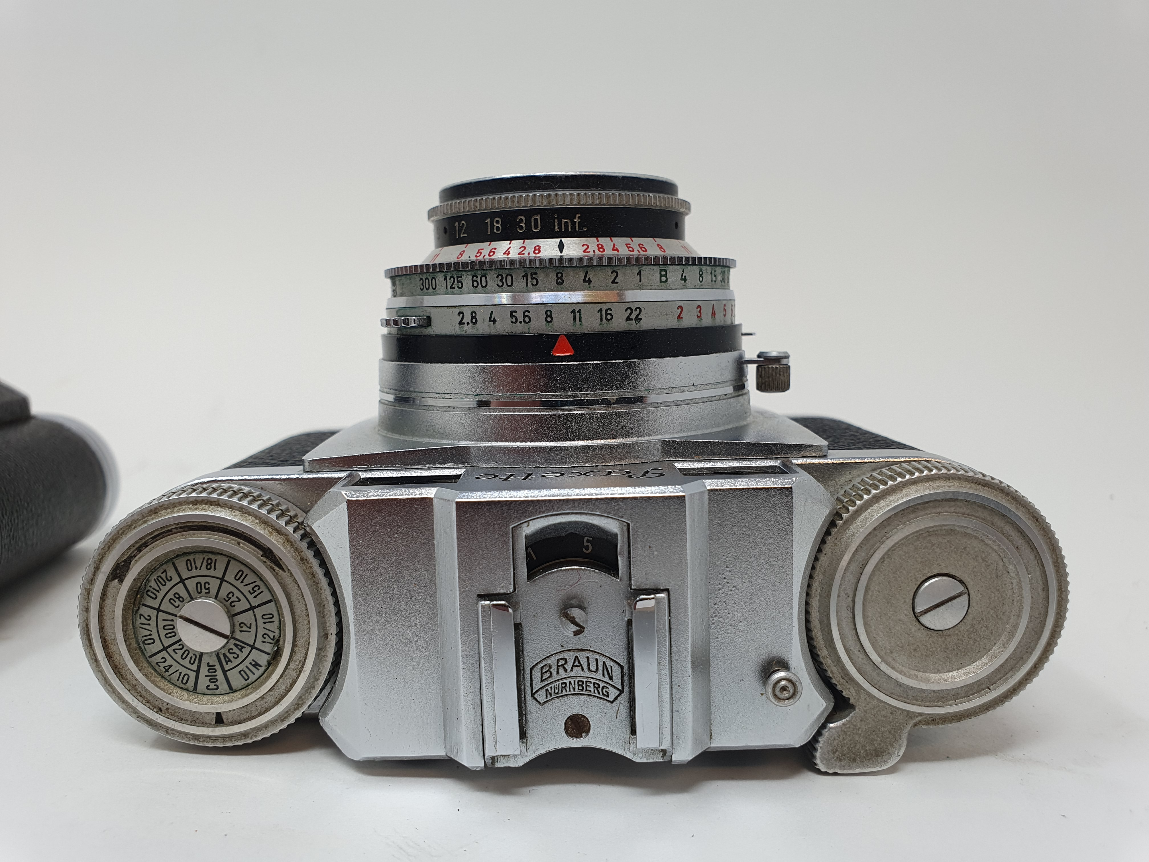 A Braun Paxette camera and a Altix camera (2) Provenance: Part of a vast single owner collection - Image 3 of 3