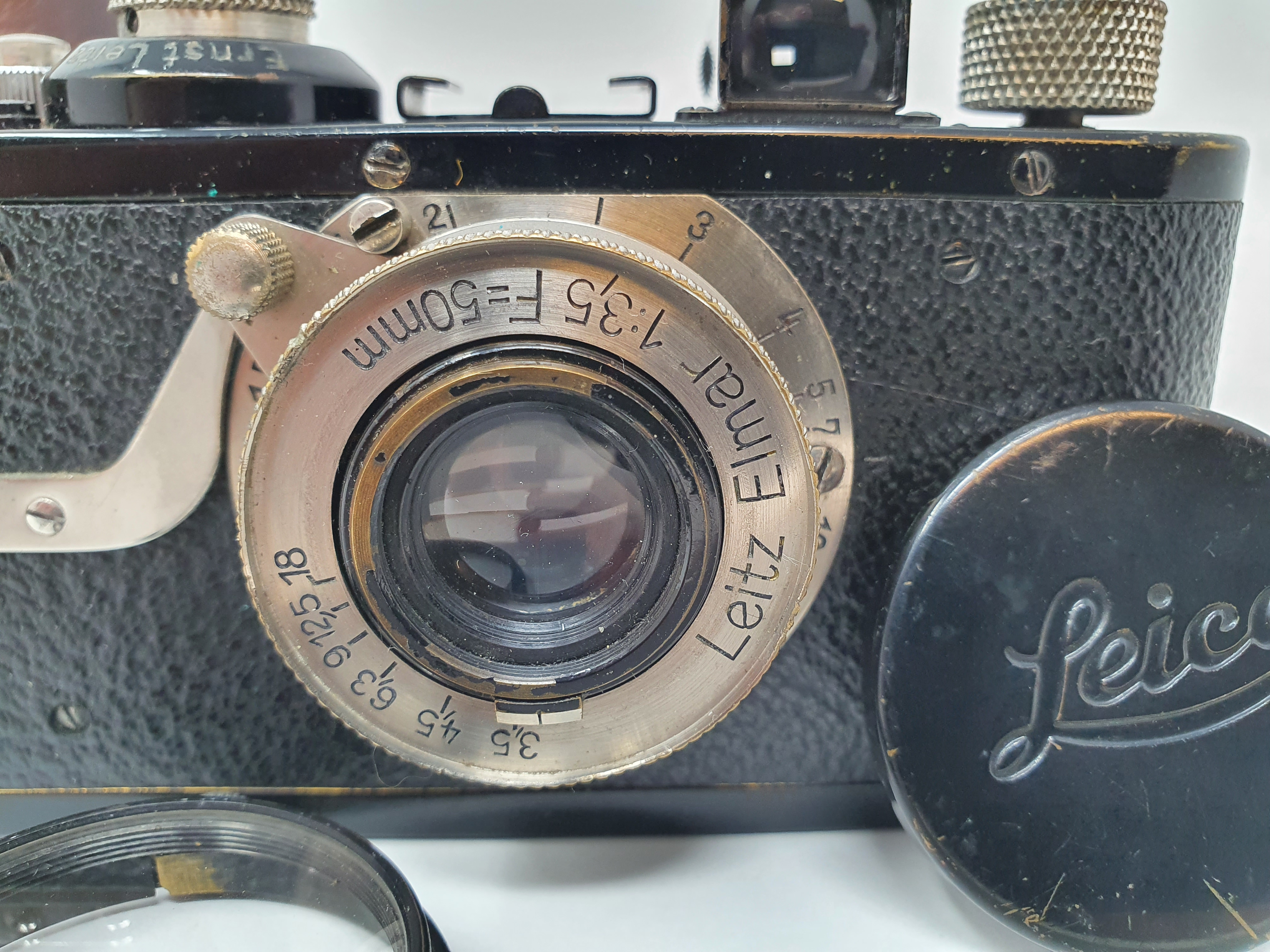 A Leica I camera, serial number 46523, with leather outer case Provenance: Part of a vast single - Image 2 of 5