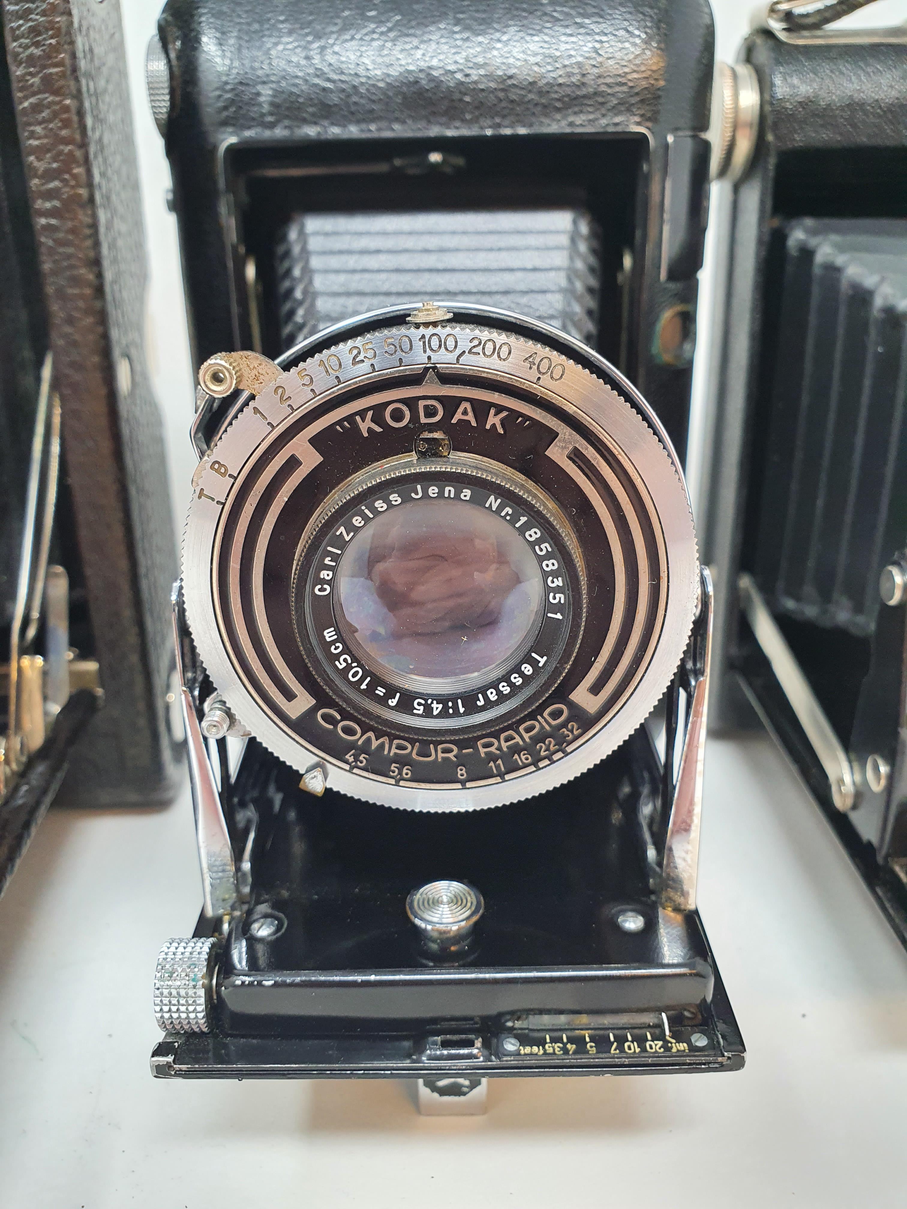 A Kodak Regent folding camera, with leather outer case, a Kodak folding camera, with leather outer - Image 3 of 6