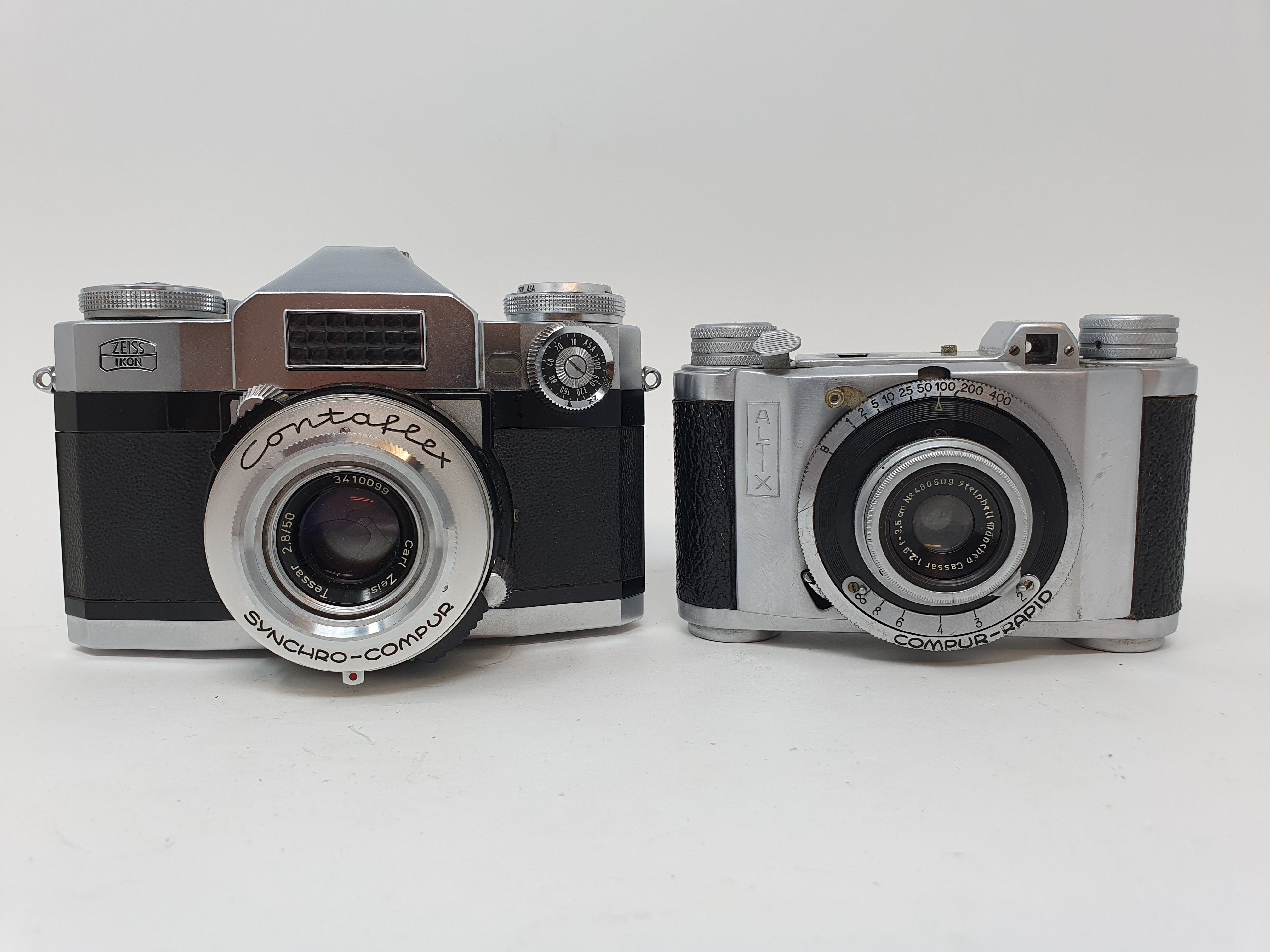 An Altix camera and a Zeiss Ikon camera (2) Provenance: Part of a vast single owner collection of