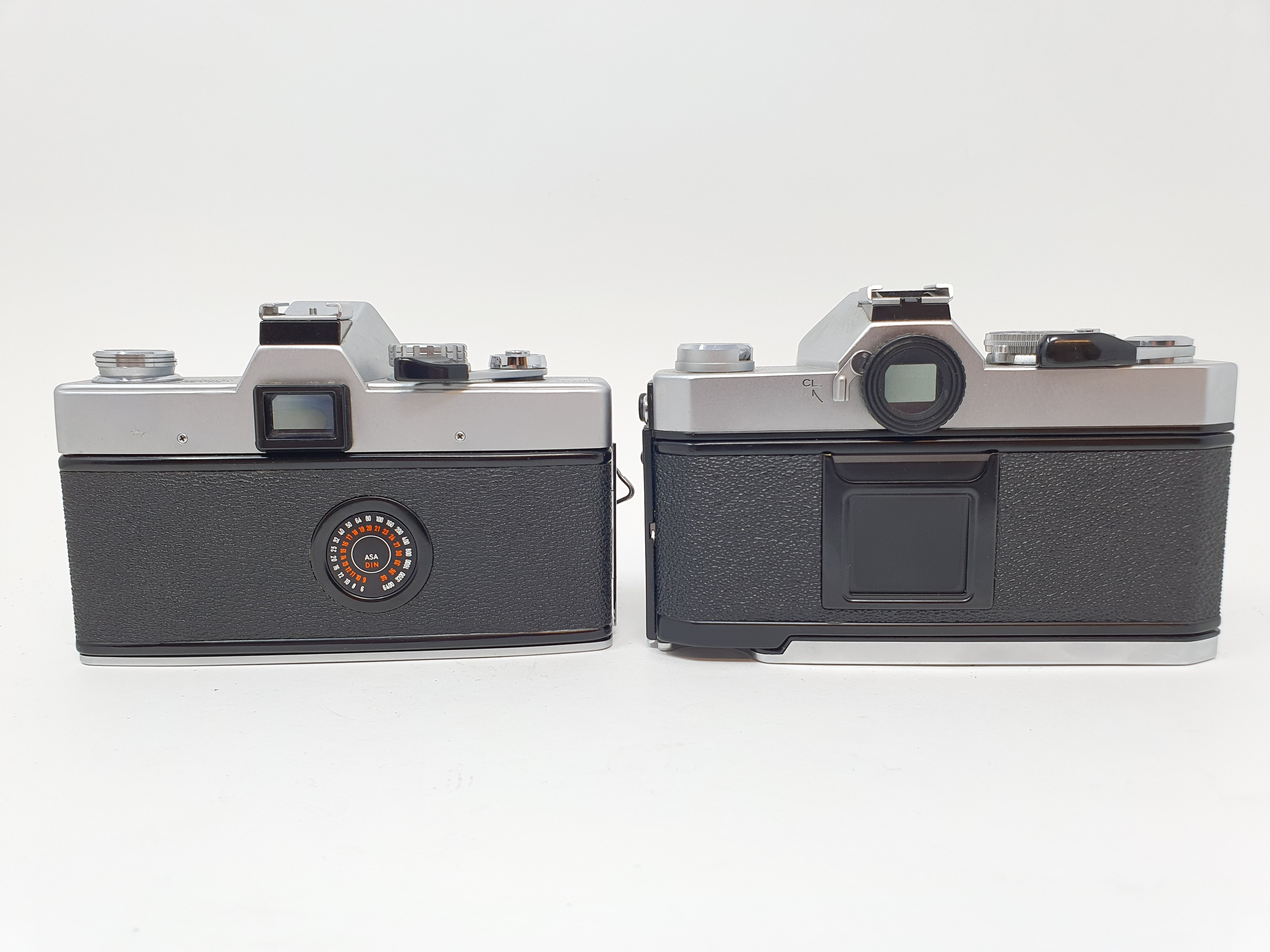 A Konica Autoflex T3 camera and a Minolta SRT 101 camera (2) Provenance: Part of a vast single owner - Image 4 of 4
