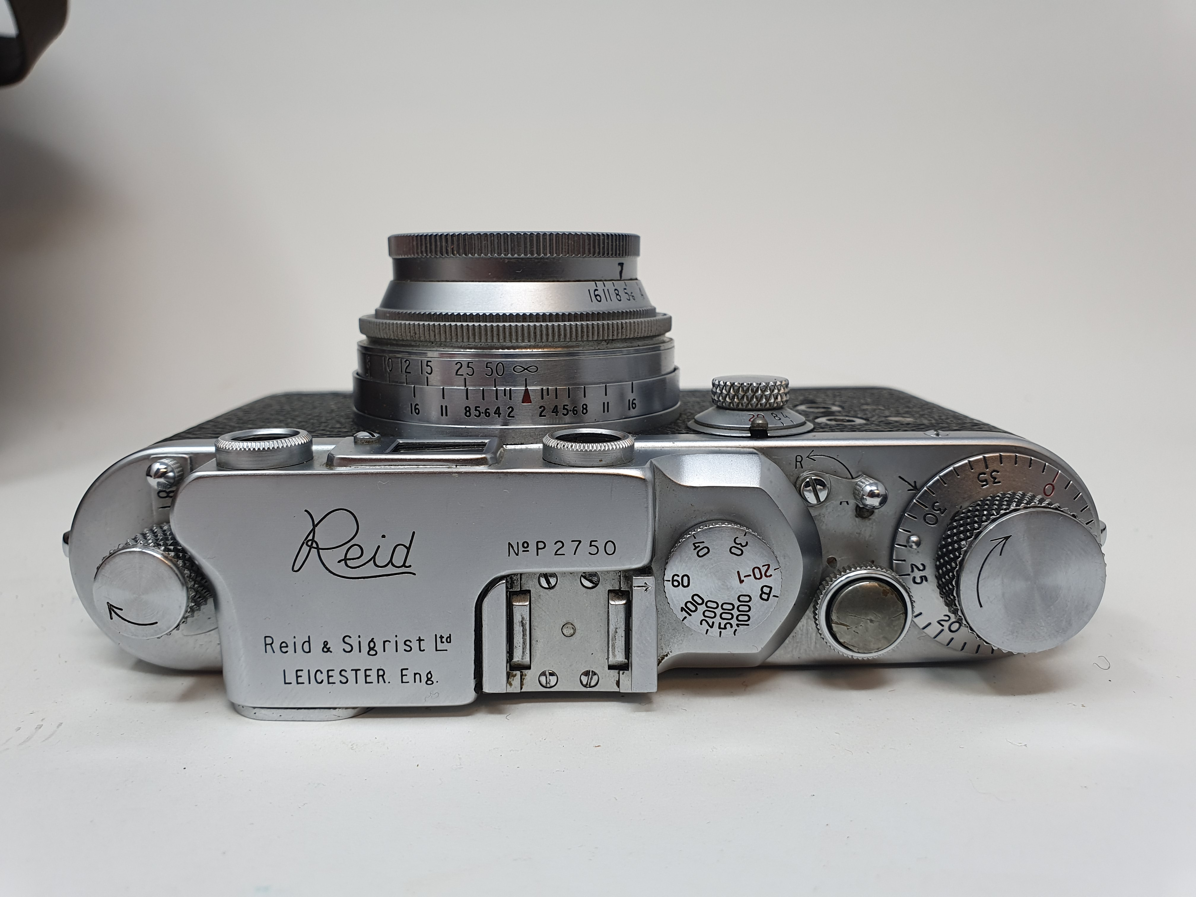 A Reid & Sigrist ltd camera, serial number P2750, with leather outer case, lens, and accessories - Image 3 of 7