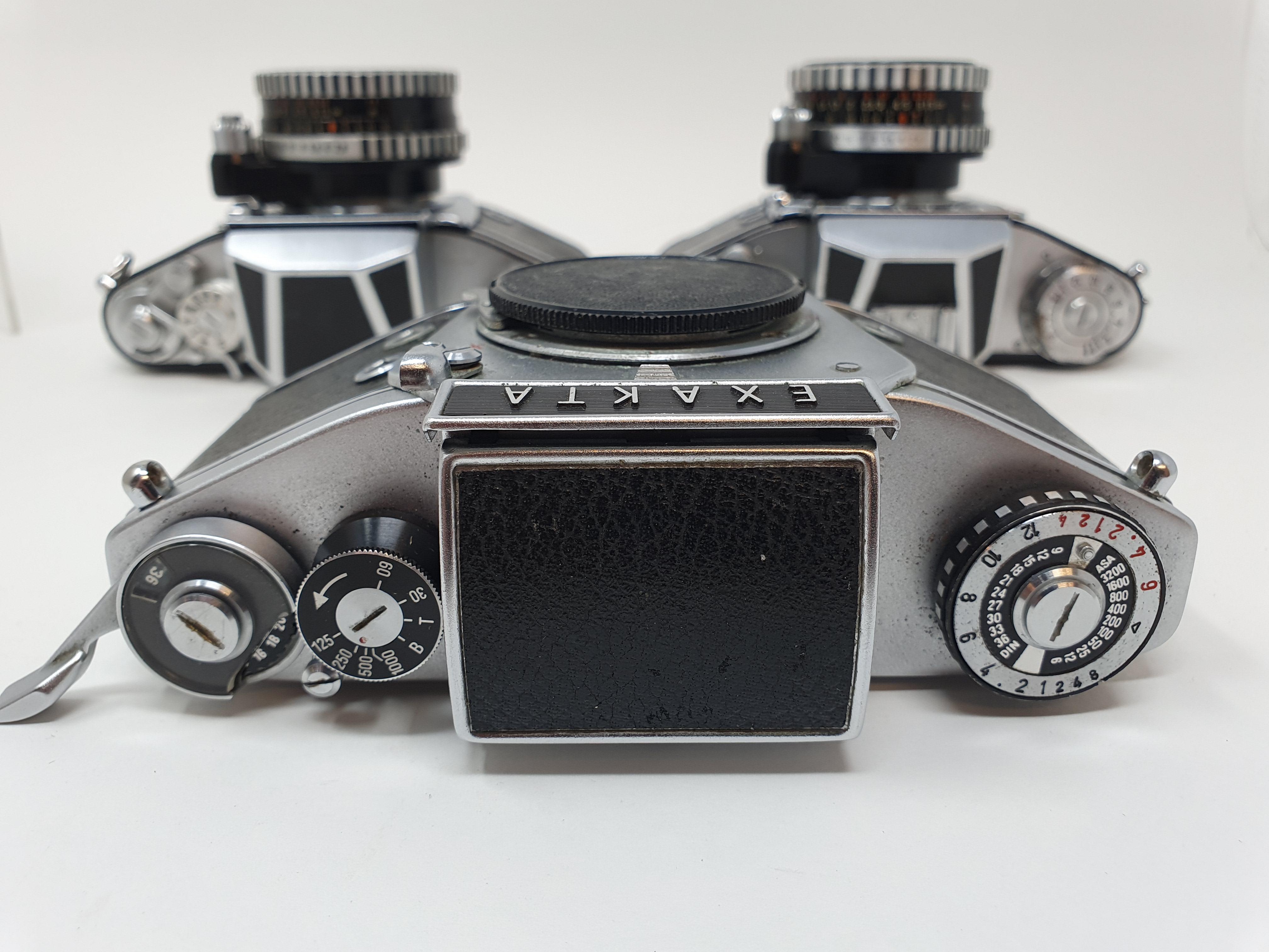 An Exakta Varex 11a camera, a VX 1000 camera body and a Varex IIb camera (3) Provenance: Part of a - Image 5 of 6