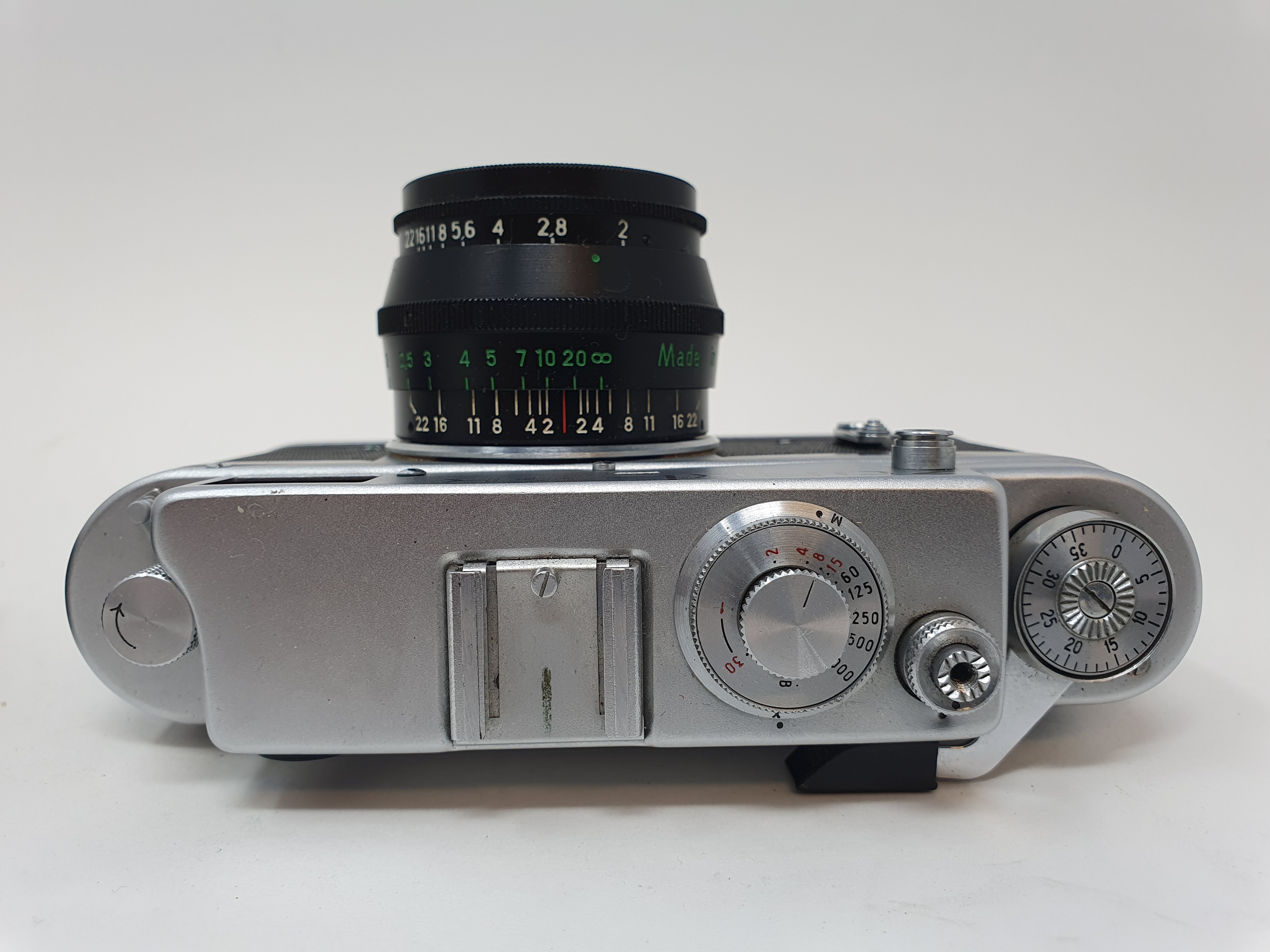 A Zorki-4K camera and a Russian camera (2) Provenance: Part of a vast single owner collection of - Image 3 of 4