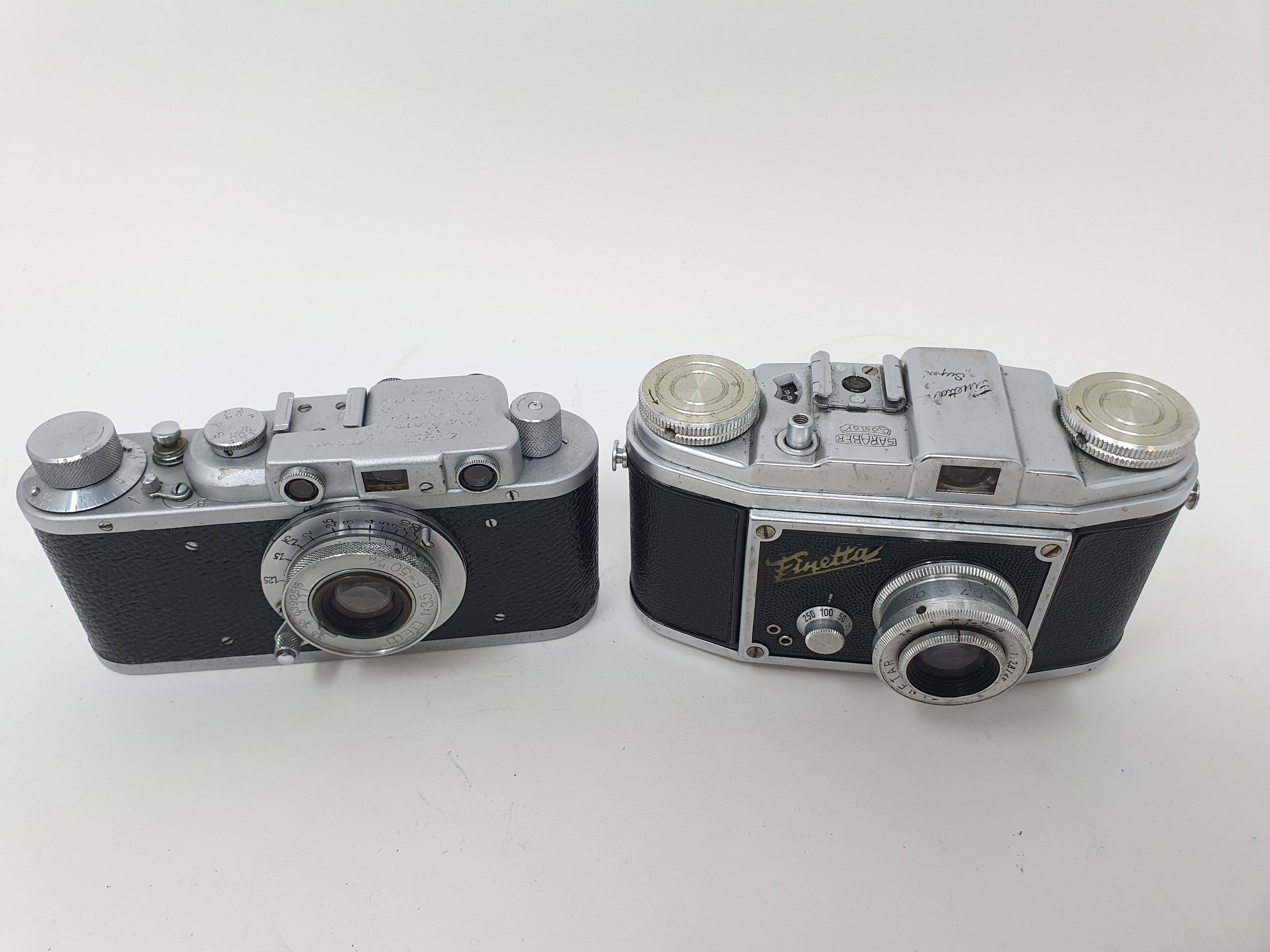A Saraber Finetta Super camera and a Russian camera (2) Provenance: Part of a vast single owner - Image 2 of 4