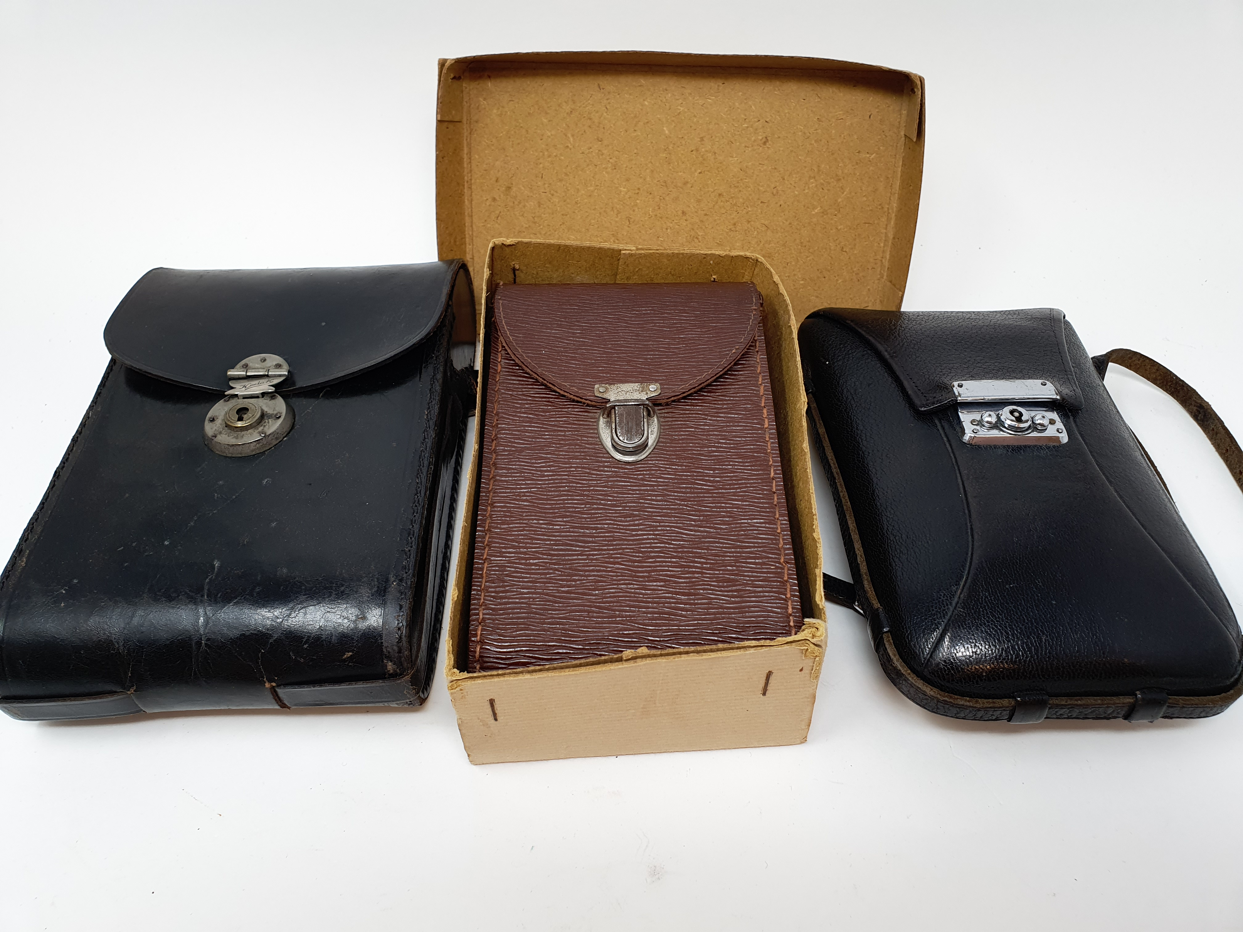 A Kodak Regent folding camera, with leather outer case, a Kodak folding camera, with leather outer - Image 6 of 6