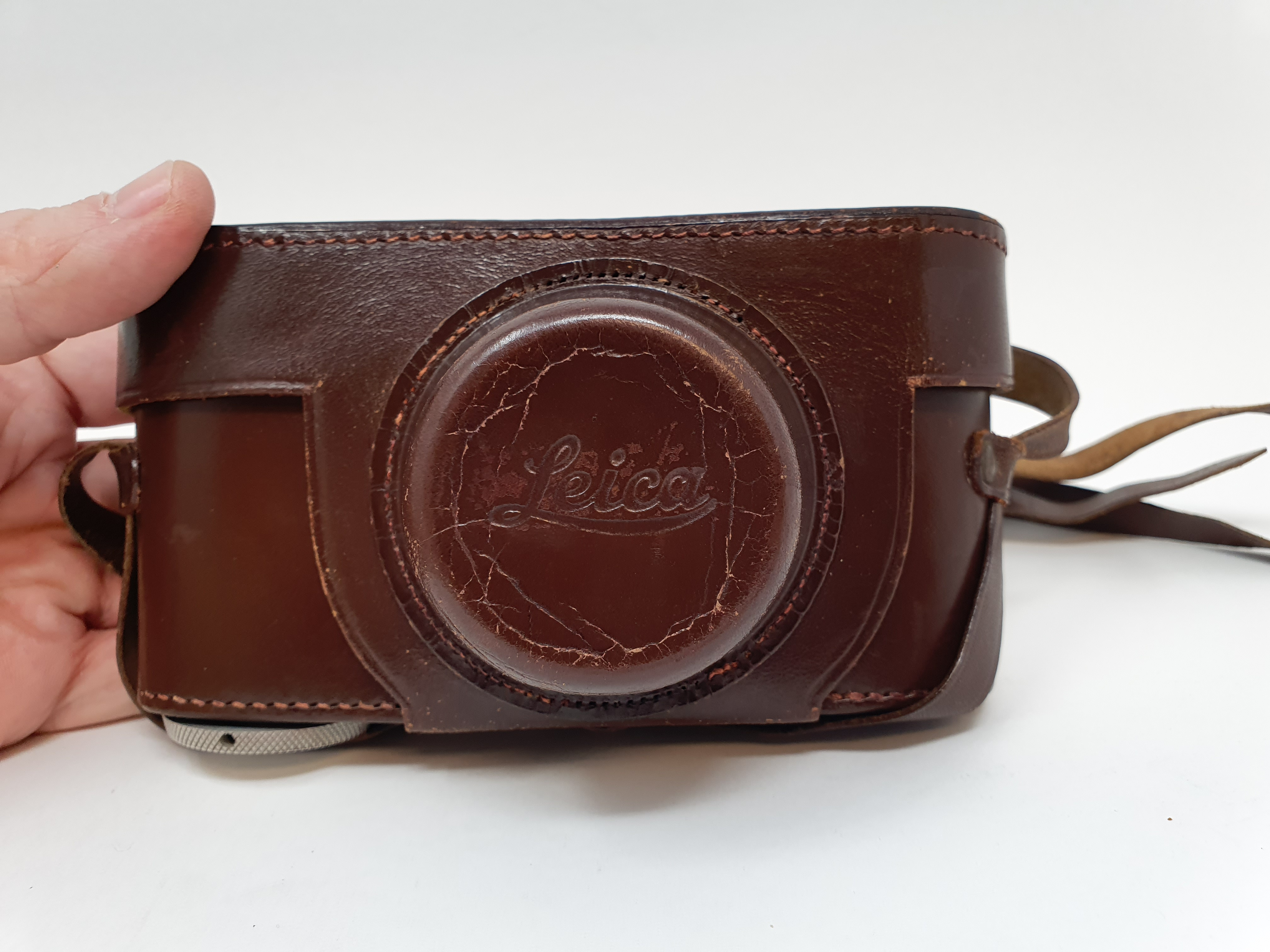 A Leica IIIf camera, serial number 537112, with leather outer case Provenance: Part of a vast single - Image 5 of 5