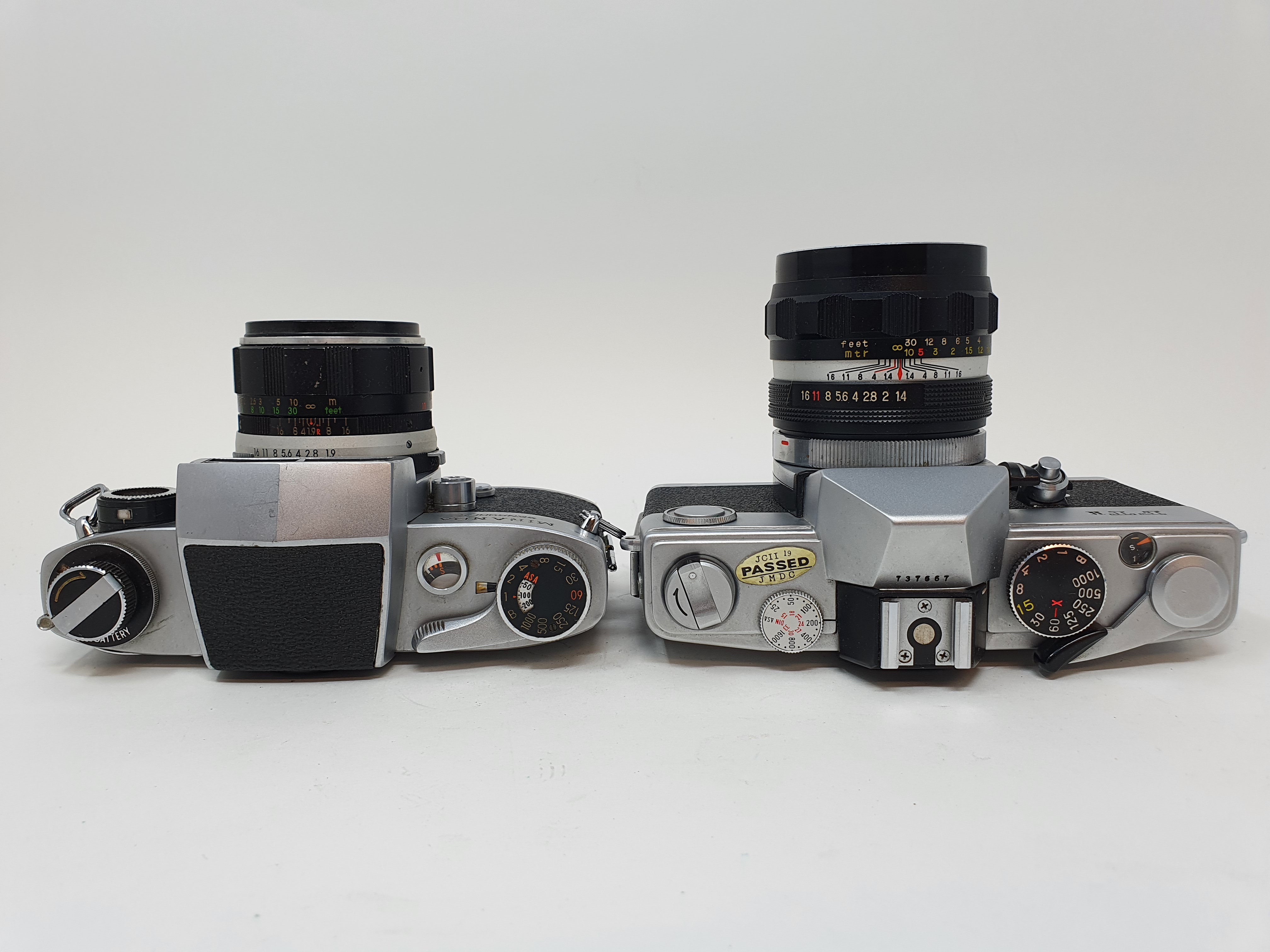 A Miranda Sensorex camera and a Petri FT II camera (2) Provenance: Part of a vast single owner - Image 3 of 4