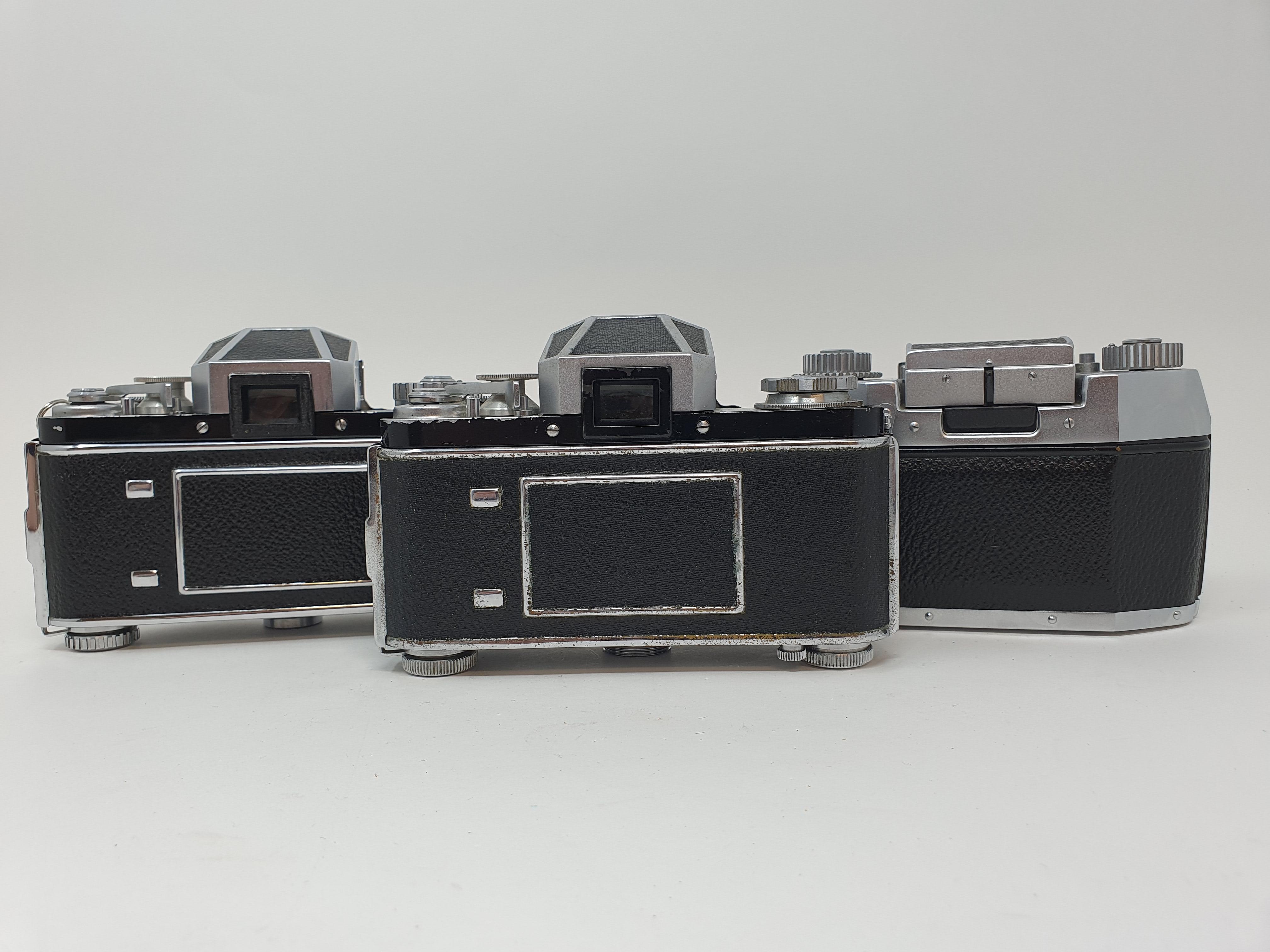 An Exakta Varex IIa camera, Varex IIb camera body, and an Exa. I (3) Provenance: Part of a vast - Image 6 of 6
