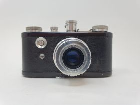 A Corfield Periflex camera Provenance: Part of a vast single owner collection of cameras, lenses and