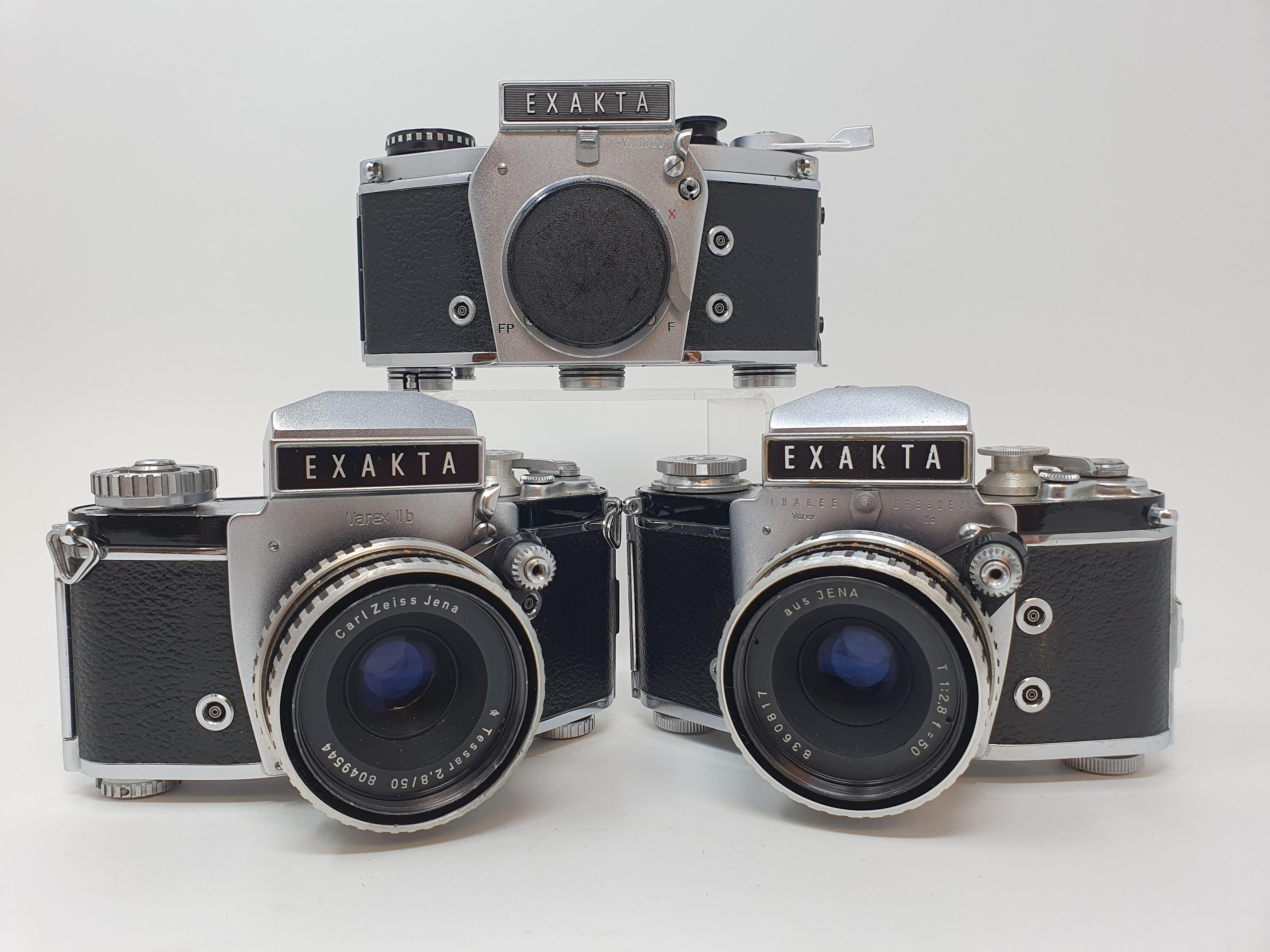 An Exakta Varex 11a camera, a VX 1000 camera body and a Varex IIb camera (3) Provenance: Part of a