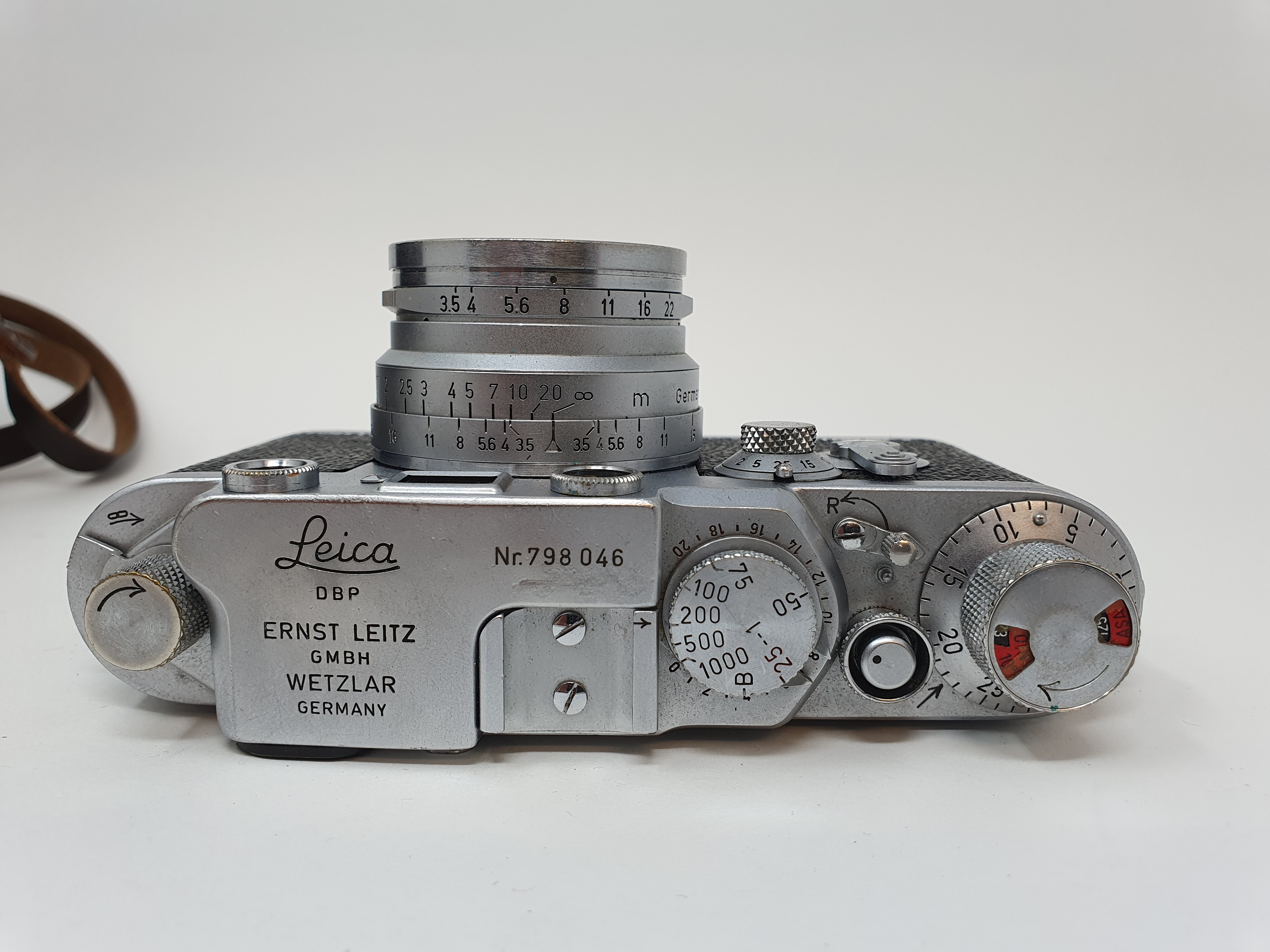 A Leica IIIf camera, serial number 798046, with leather outer case Provenance: Part of a vast single - Image 3 of 5
