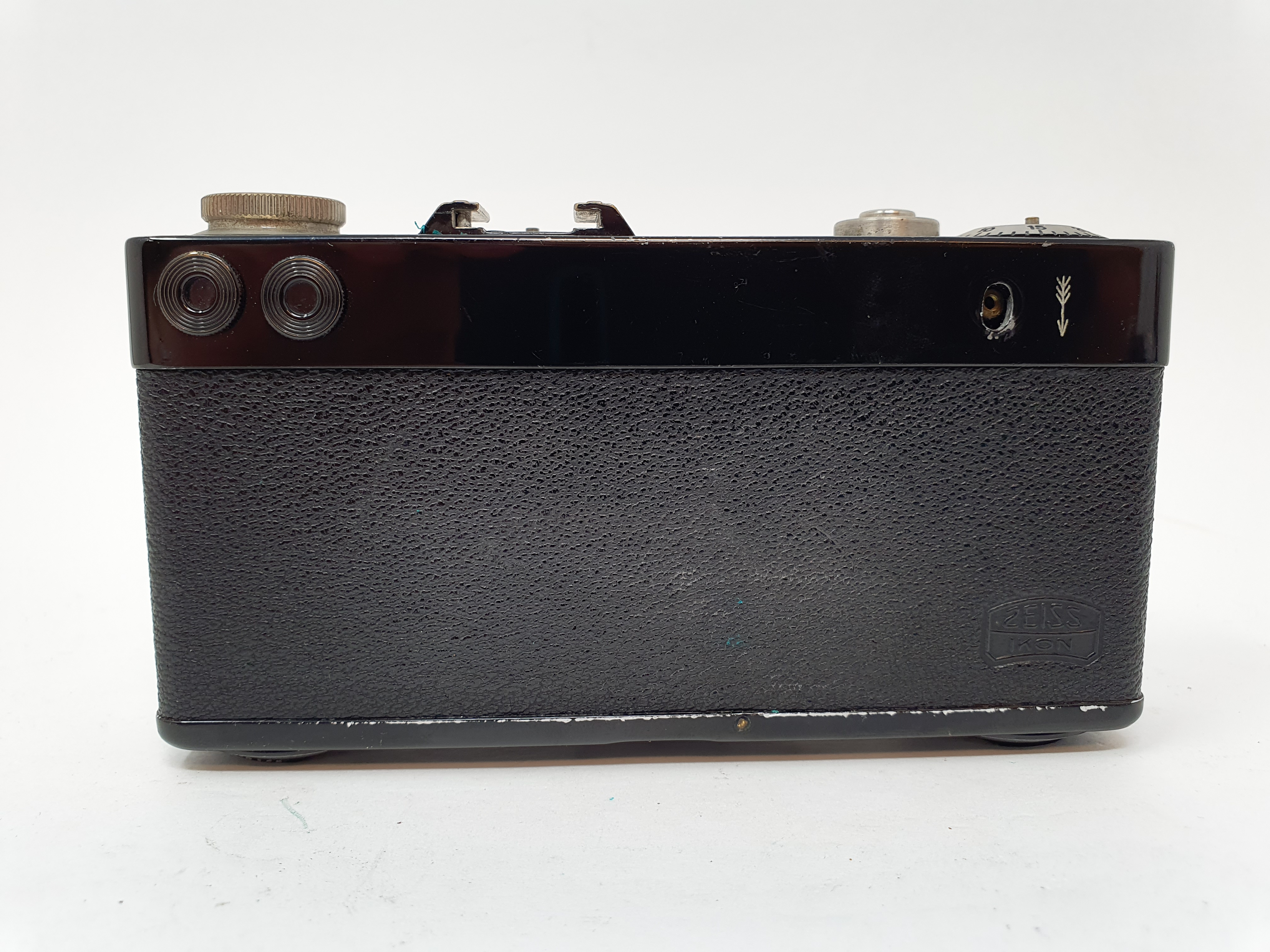 A Zeiss Ikon Contax camera Provenance: Part of a vast single owner collection of cameras, lenses and - Image 4 of 4