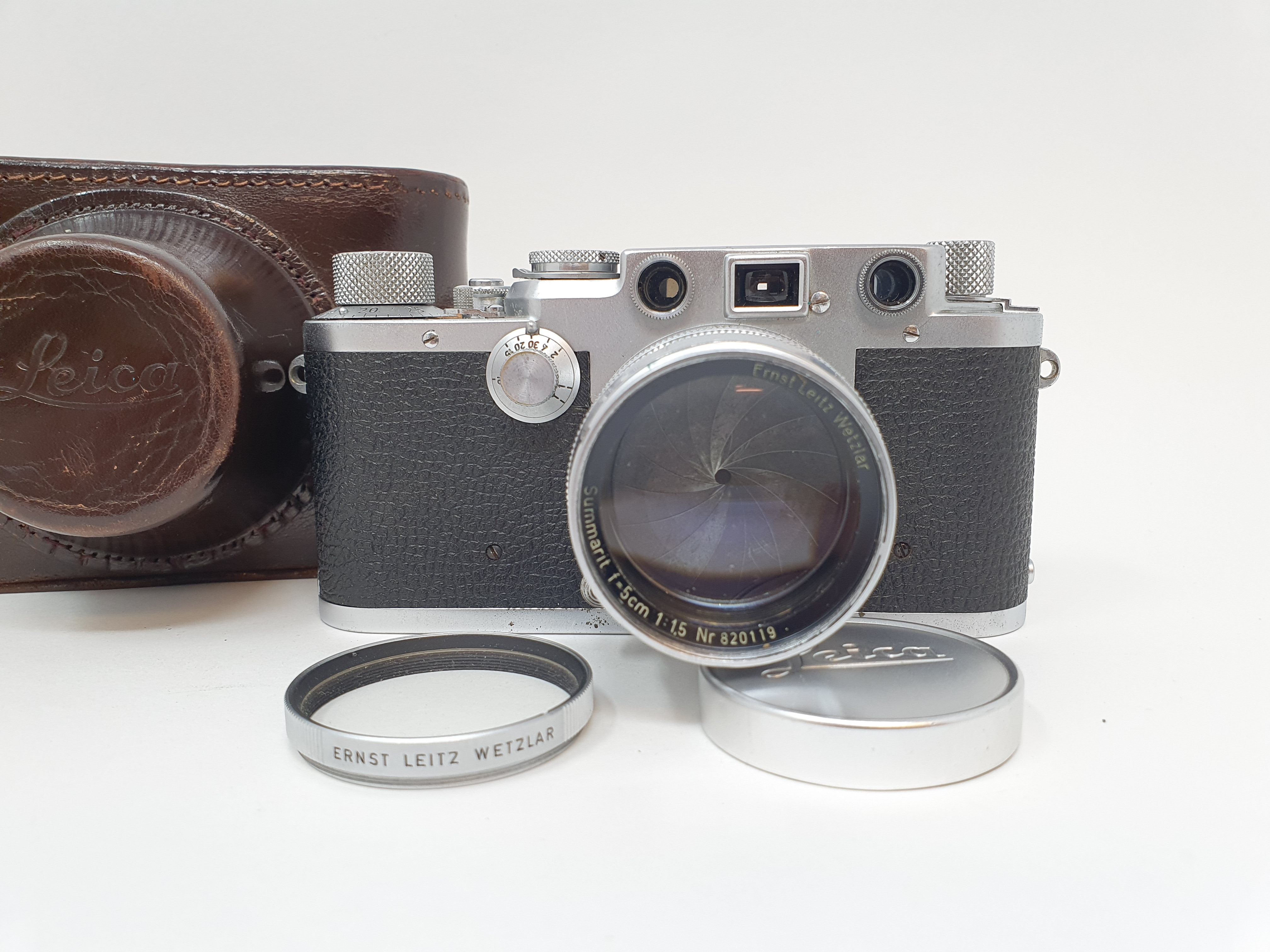 A Leica IIIf camera, serial number 566317, with leather outer case Provenance: Part of a vast single