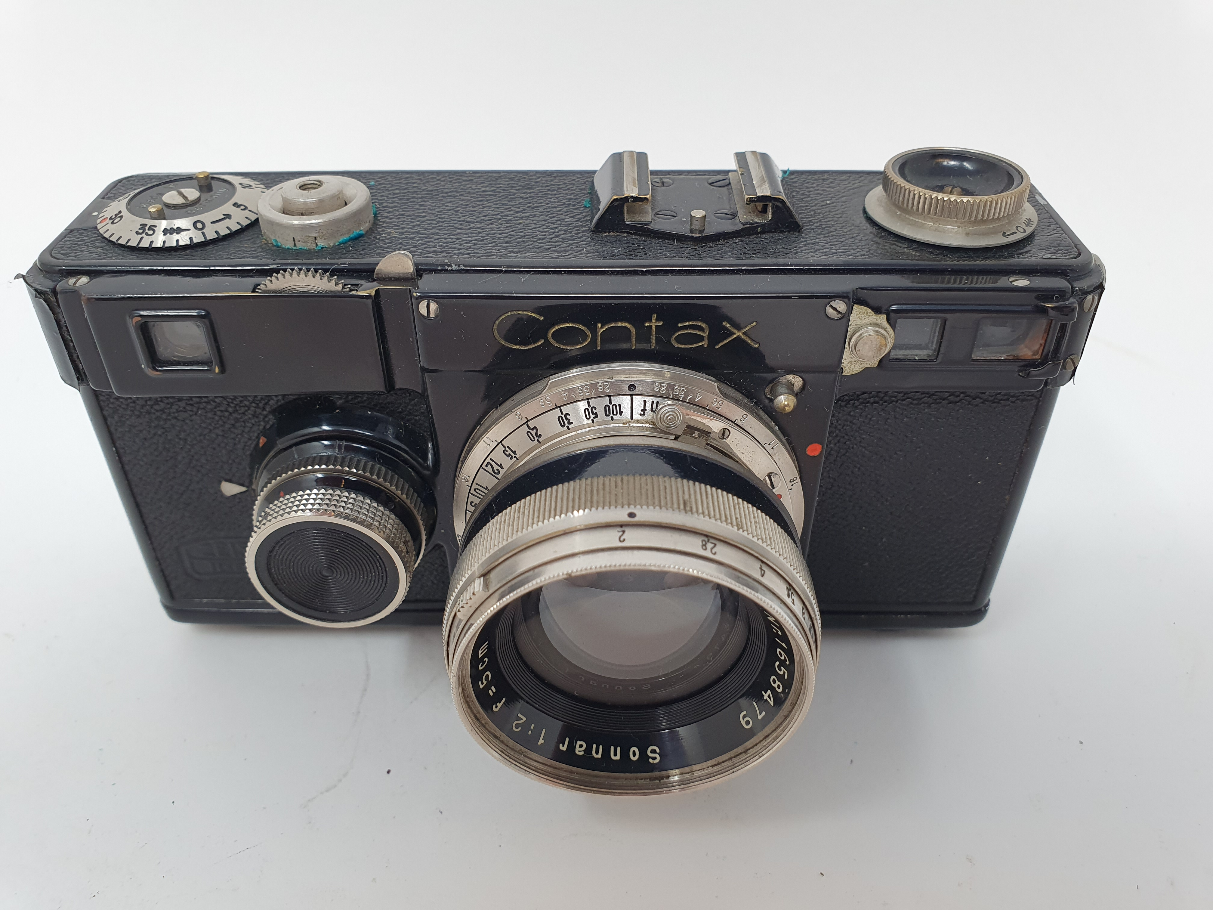 A Zeiss Ikon Contax camera Provenance: Part of a vast single owner collection of cameras, lenses and - Image 2 of 4