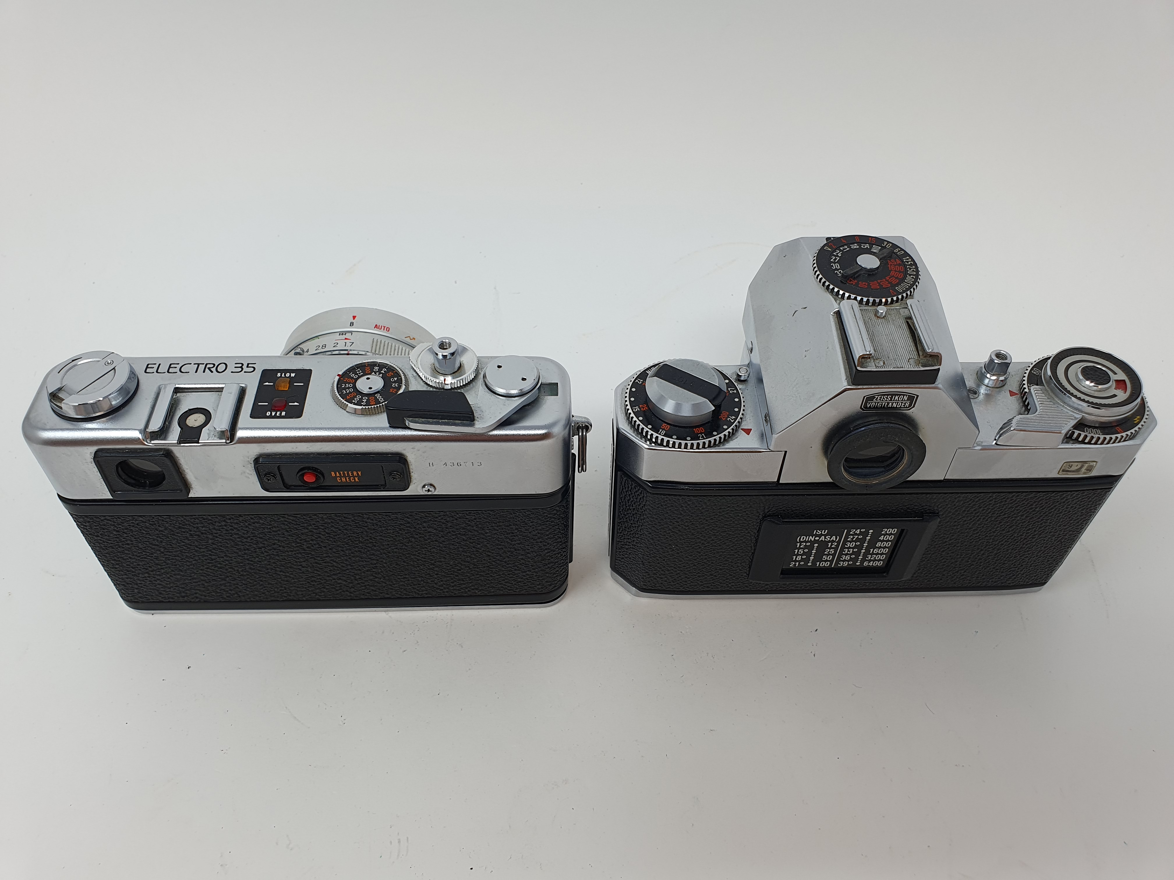 A Zeiss Ikon voigtlander camera and a Yashica GSN Electro 35 camera (2) Provenance: Part of a vast - Image 3 of 3