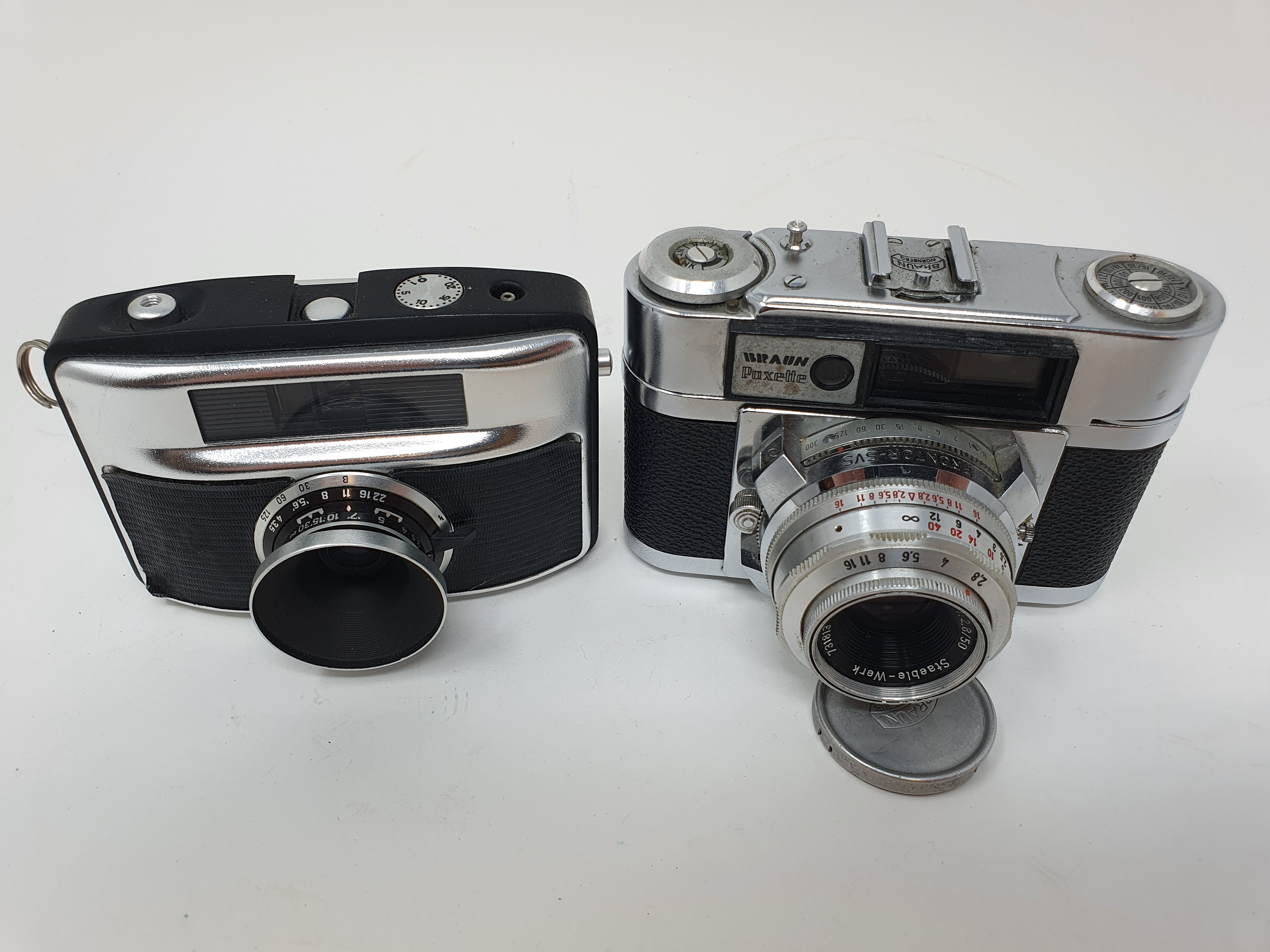 A Braun Paxette camera and a camera (2) Provenance: Part of a vast single owner collection of - Image 2 of 4