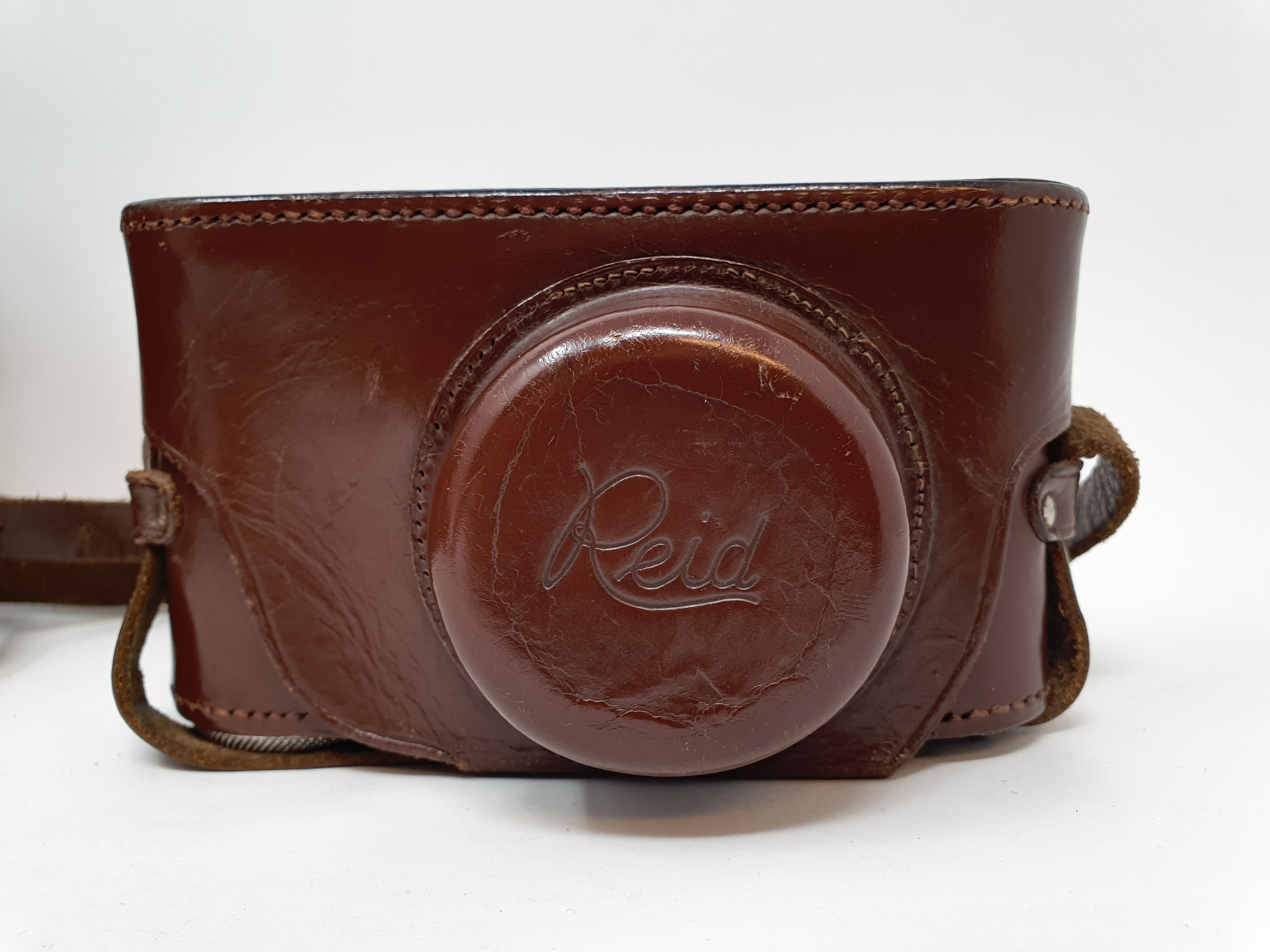 A Reid & Sigrist ltd camera, serial number P2750, with leather outer case, lens, and accessories - Image 5 of 7
