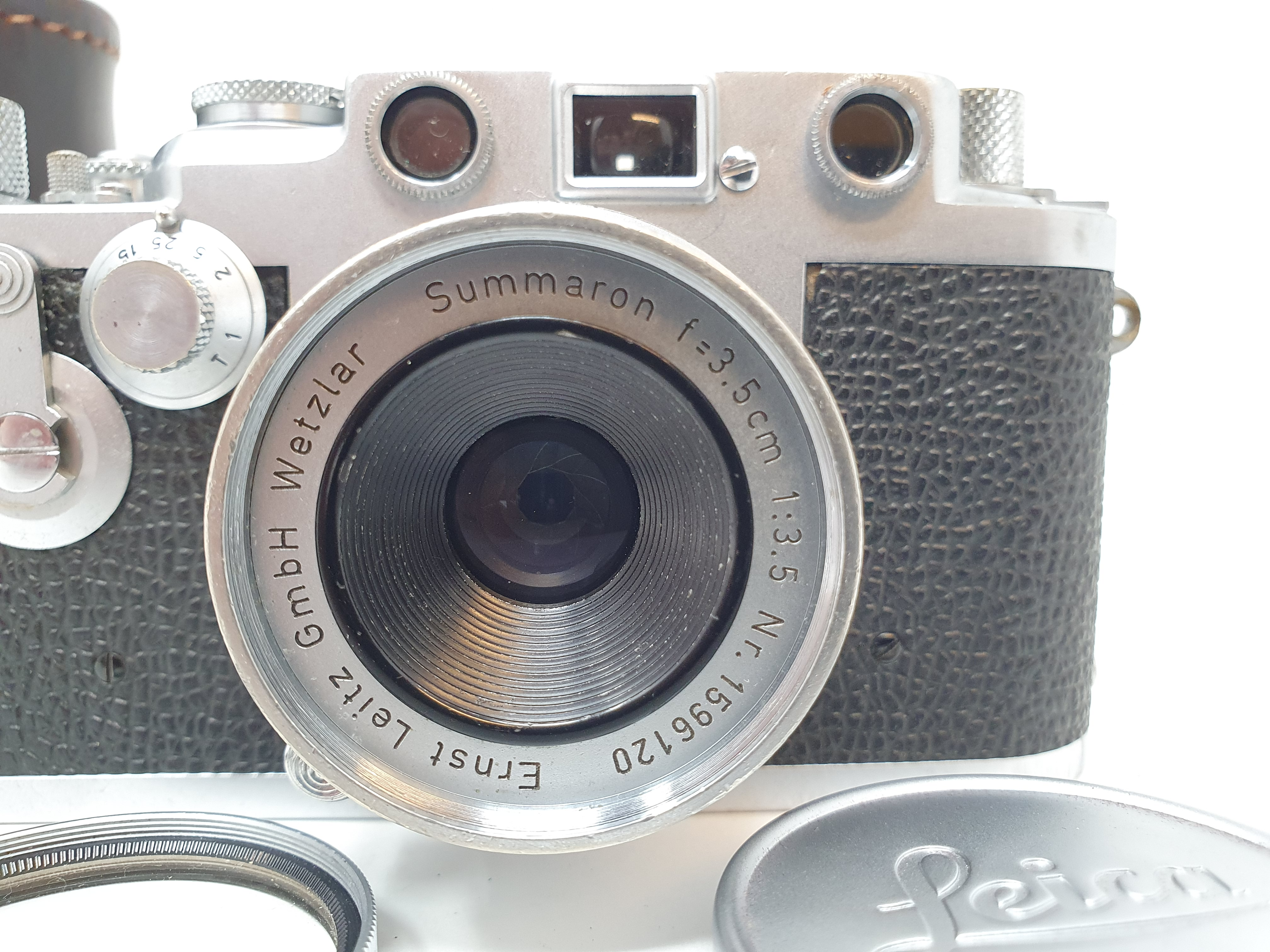 A Leica IIIf camera, serial number 798046, with leather outer case Provenance: Part of a vast single - Image 2 of 5