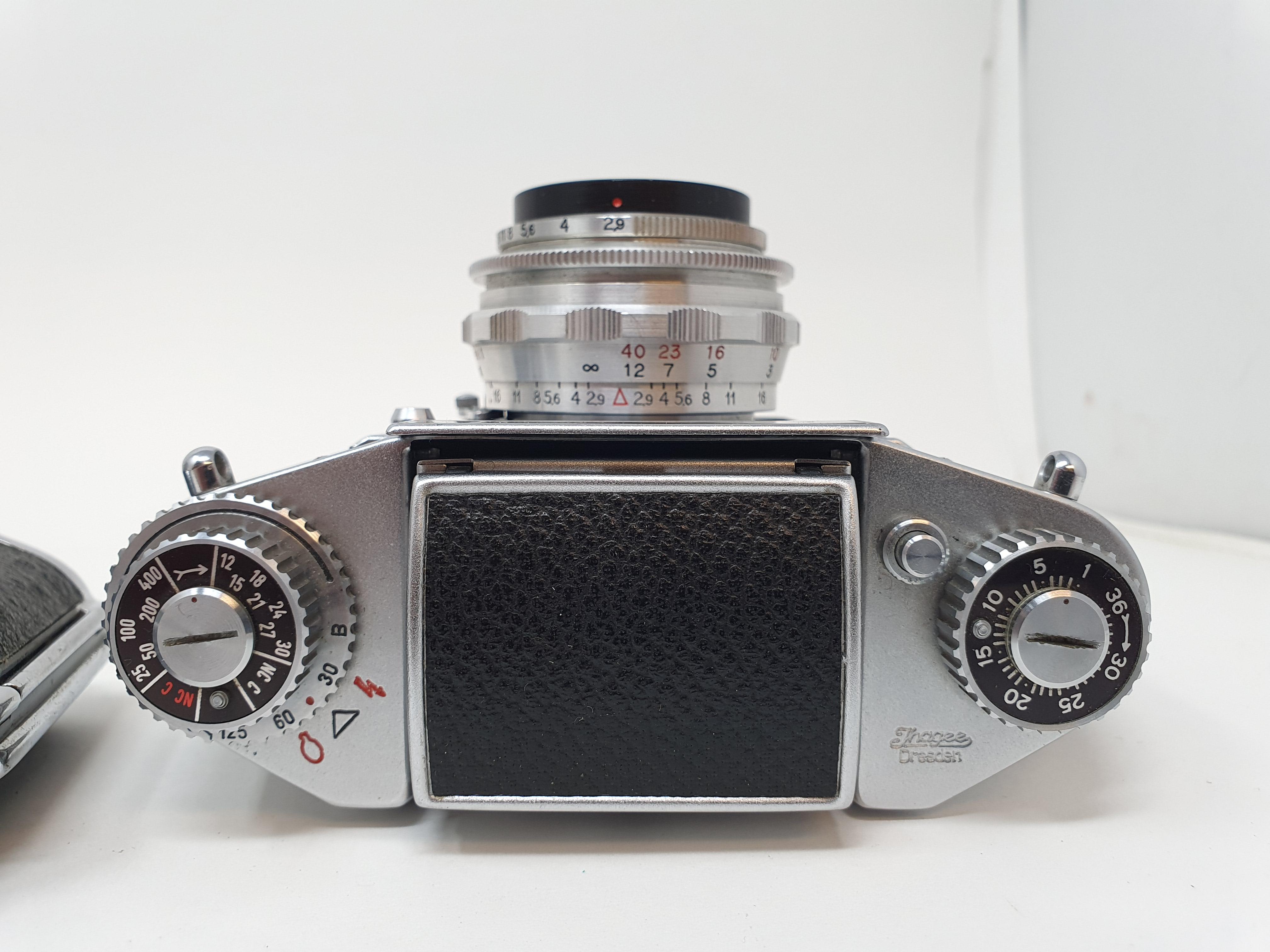 An Exakta Varex IIa camera, Varex IIb camera body, and an Exa. I (3) Provenance: Part of a vast - Image 4 of 6