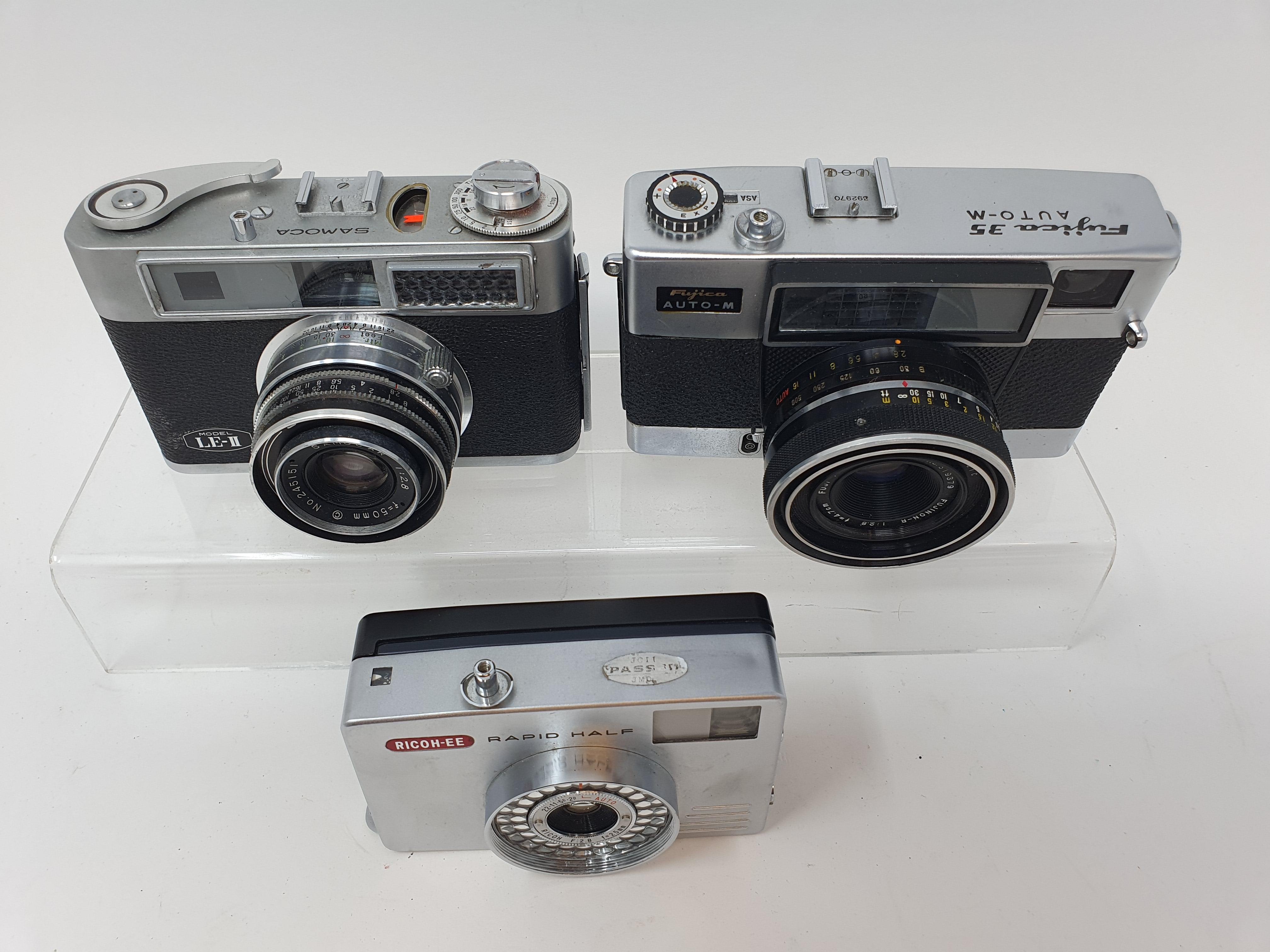 A Fujica Auto-M35 camera, a Samoca LE-II camera, and a Ricoh-EE camera (3) Provenance: Part of a - Image 2 of 2