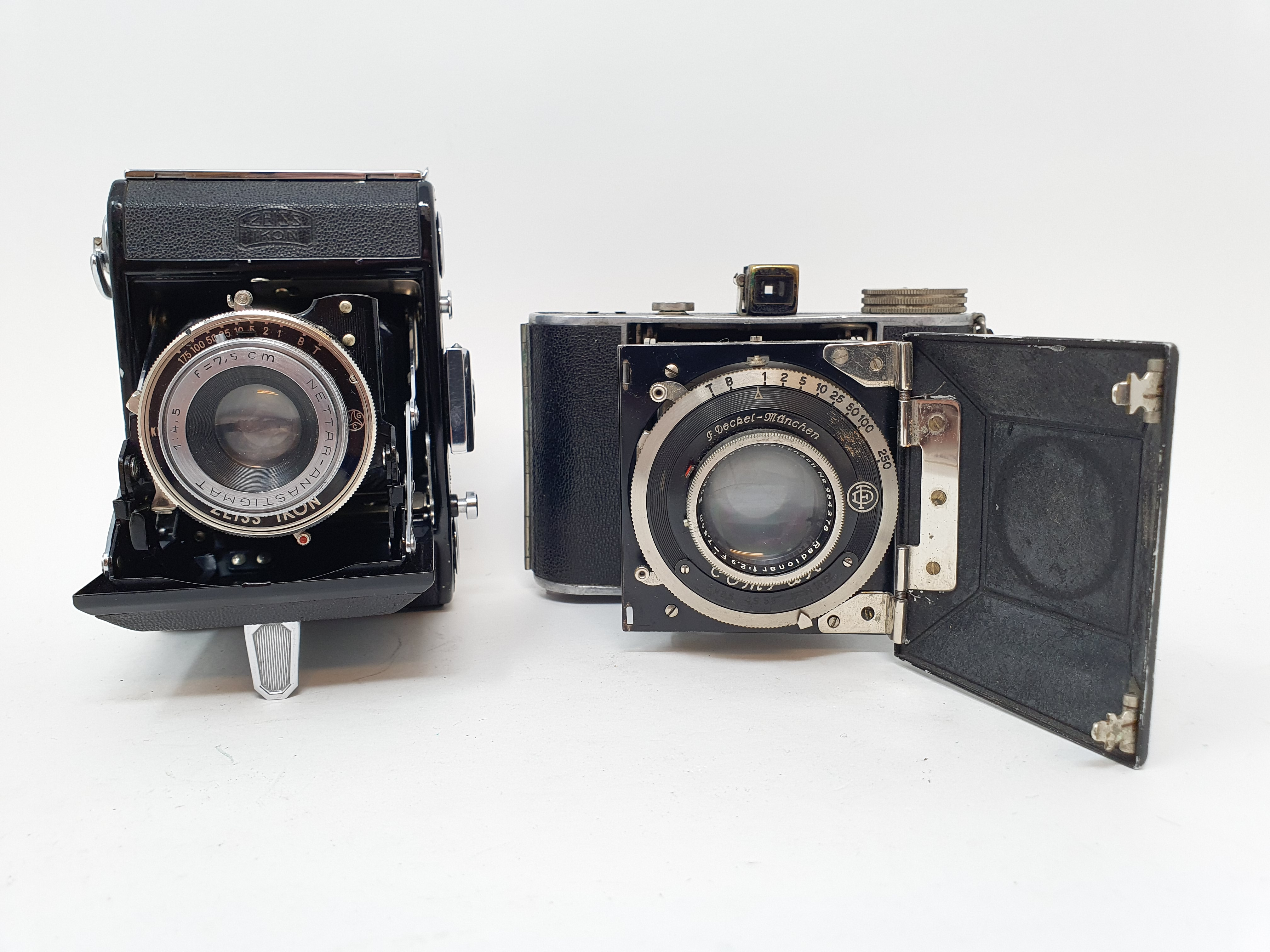 A Zeiss Ikon folding camera and a Korelle folding camera (2) Provenance: Part of a vast single owner