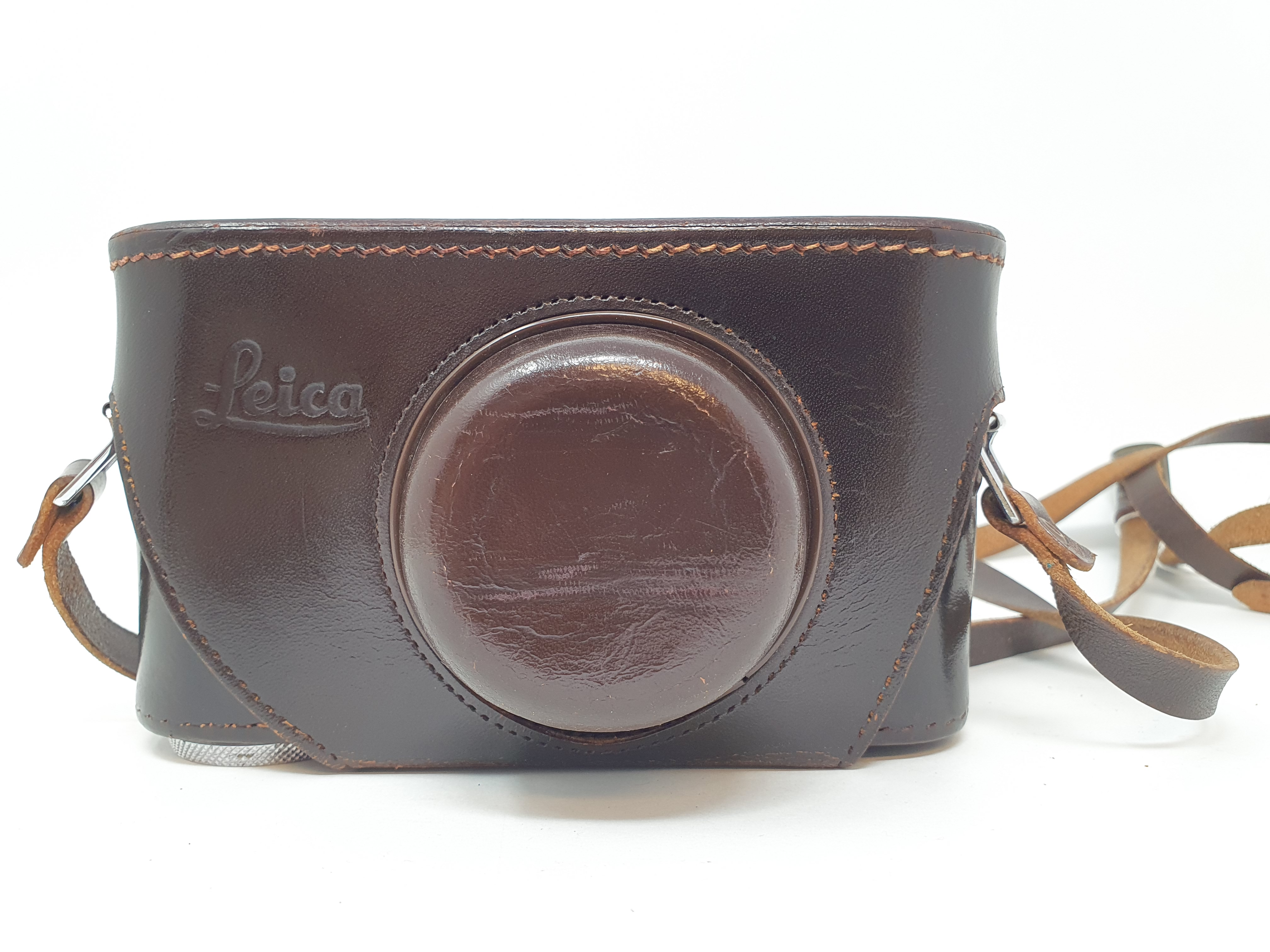A Leica IIIf camera, serial number 798046, with leather outer case Provenance: Part of a vast single - Image 5 of 5