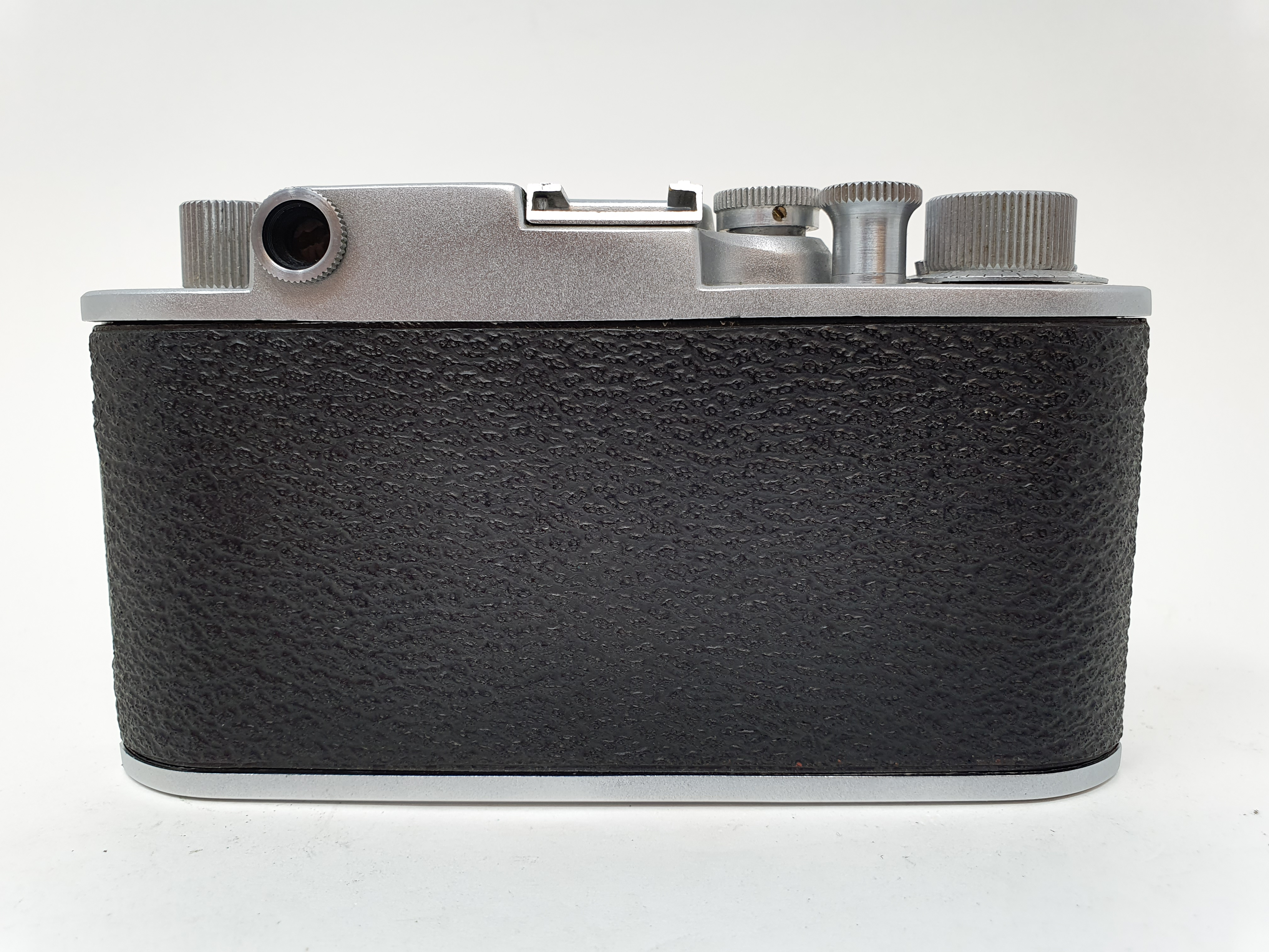 A Minolta-35, serial number 11285 Provenance: Part of a vast single owner collection of cameras, - Image 3 of 3