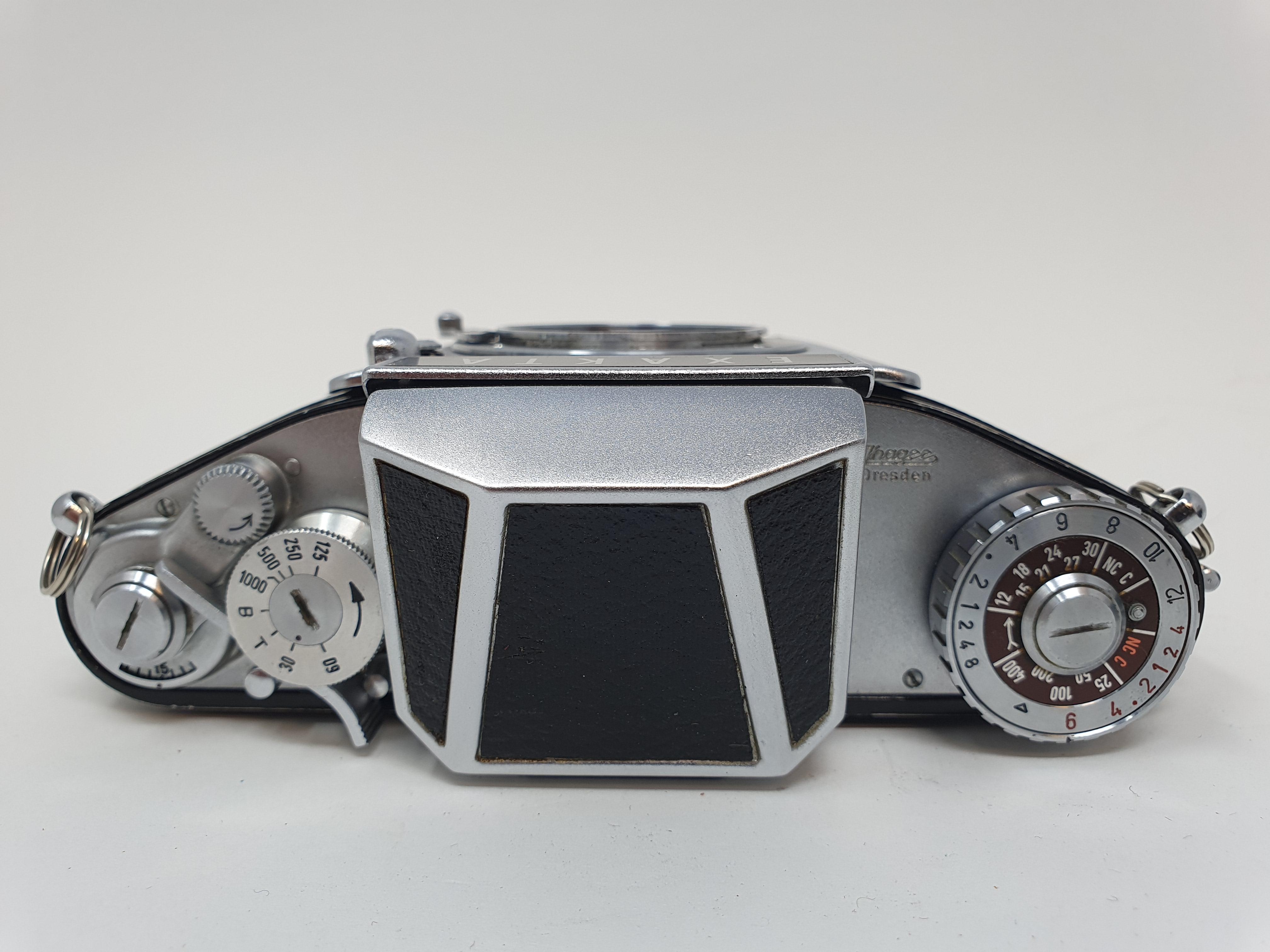 An Exakta Varex IIa camera, Varex IIb camera body, and an Exa. I (3) Provenance: Part of a vast - Image 5 of 6