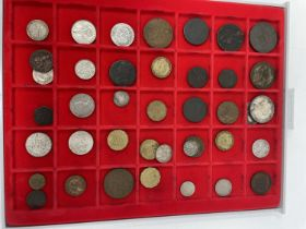 Assorted world coins and a group of banknotes (qty)