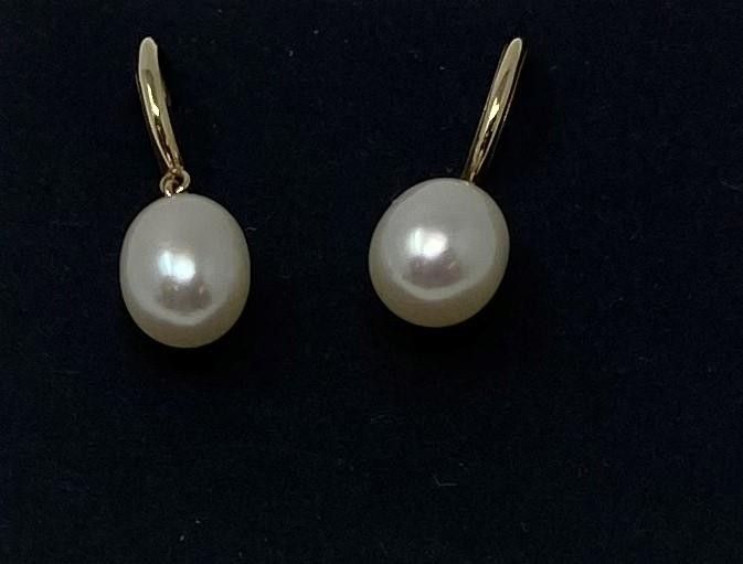 A pair of 9ct gold and pearl earrings