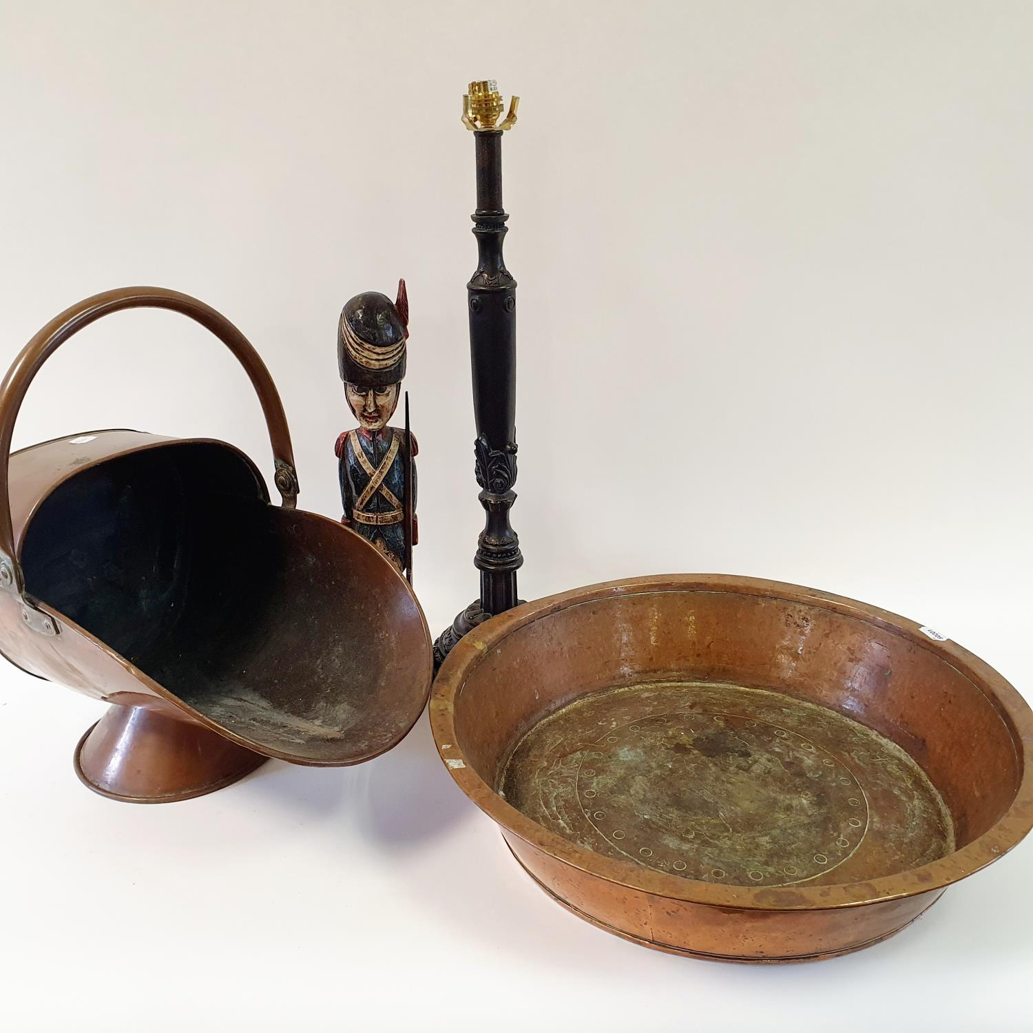 A copper preserve pan, a copper coal helmet, a pair of lamp bases and other items (qty)