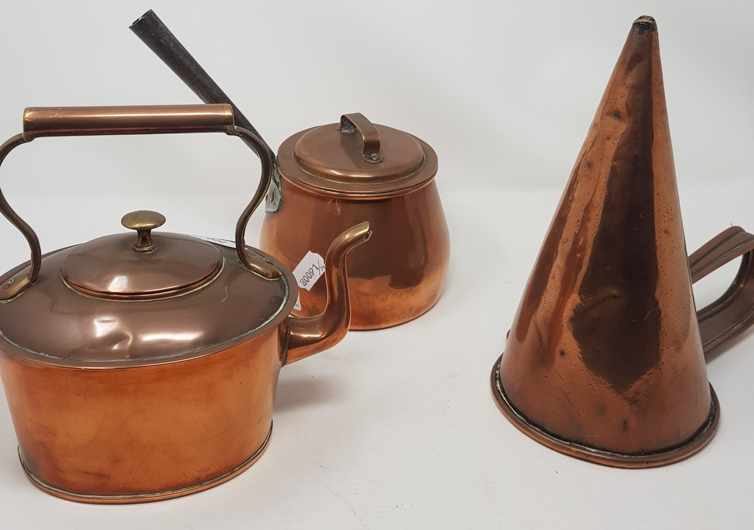 A brass and copper preserve pan, 44 cm diameter and other metalwares (4) - Image 3 of 3