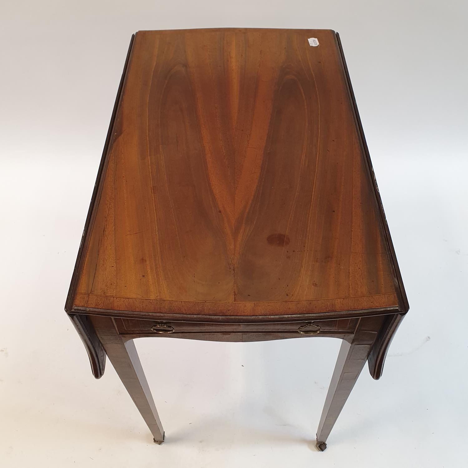 A George III mahogany butterfly top Pembroke table, of small proportions, crossbanded in rosewood, - Image 2 of 3