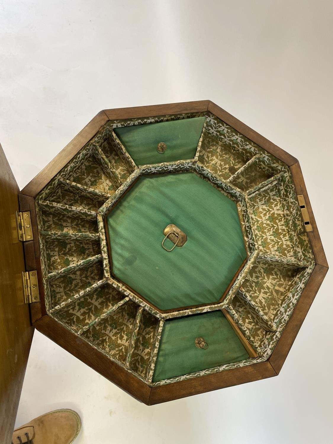 A 19th century walnut work table, the top inlaid for chess, 44 cm wide - Image 3 of 3