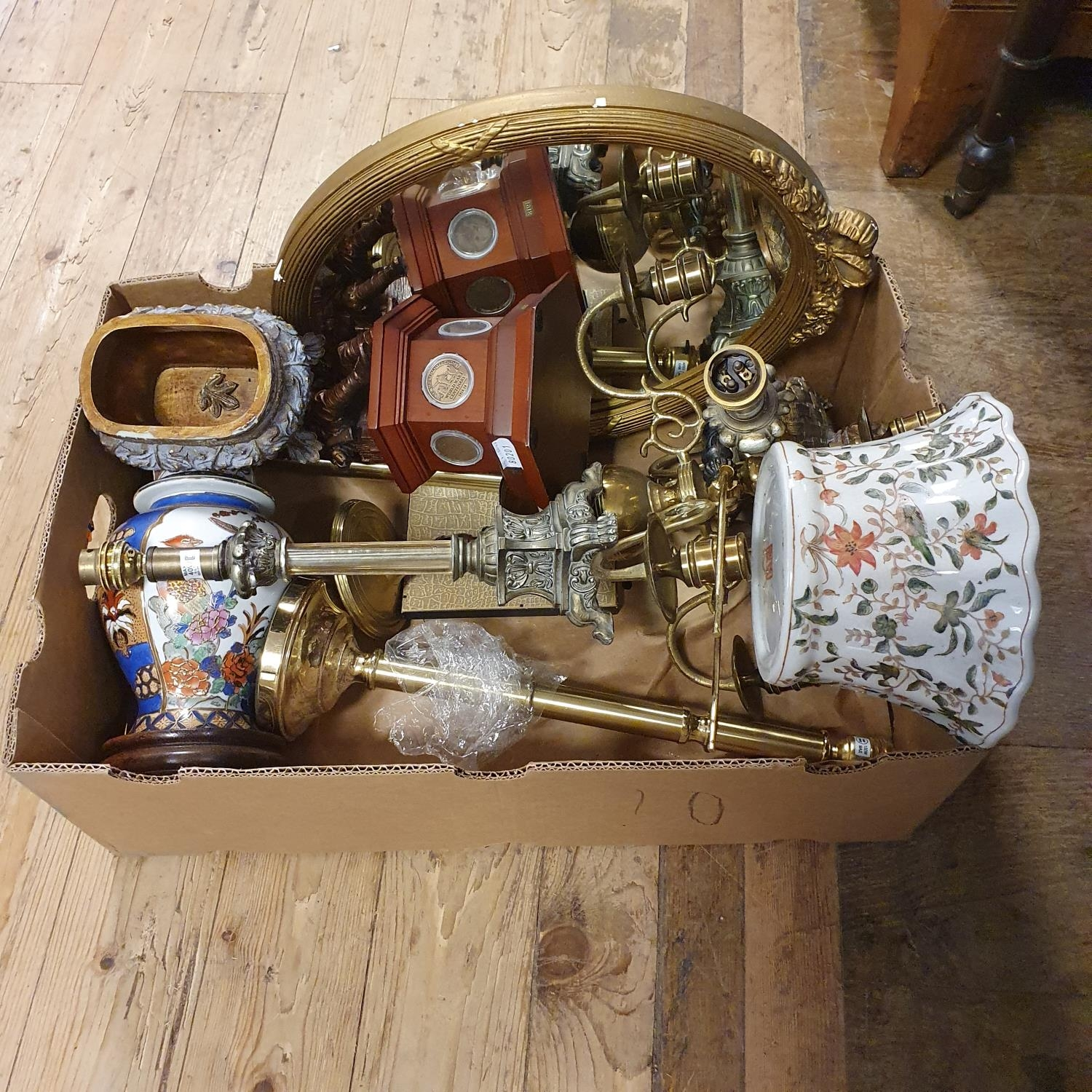 A copper preserve pan, a copper coal helmet, a pair of lamp bases and other items (qty) - Image 3 of 4