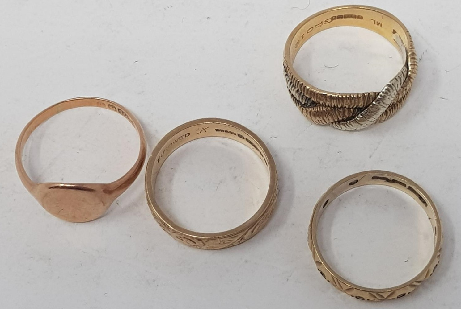 Four 9ct gold rings, 12.0 g - Image 2 of 2